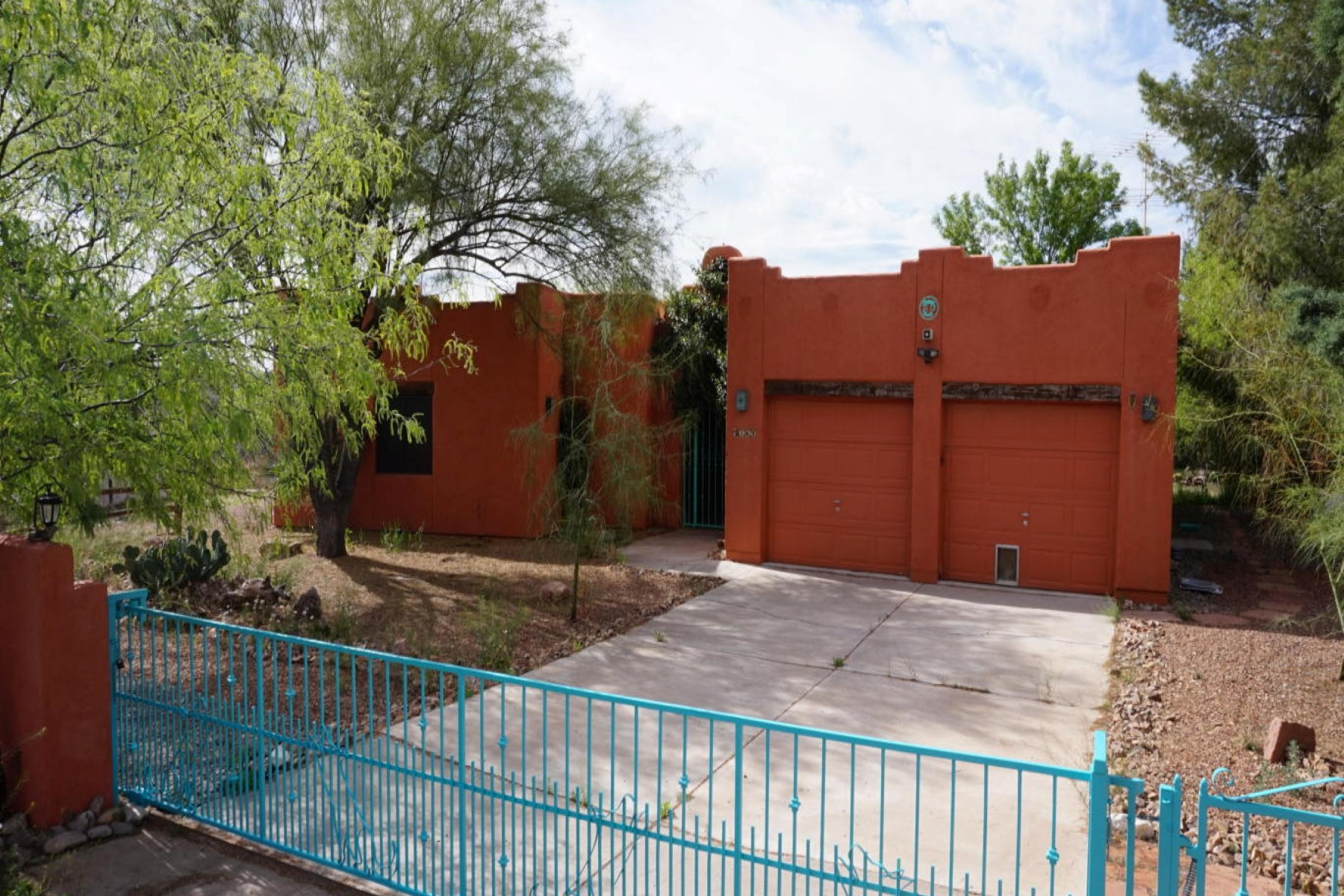 Vivienda unifamiliar por un Venta en Beautiful naturally landscaped half acre with private rock outcropping 149 Song Dog Ct Rio Rico, Arizona 85648 Estados Unidos