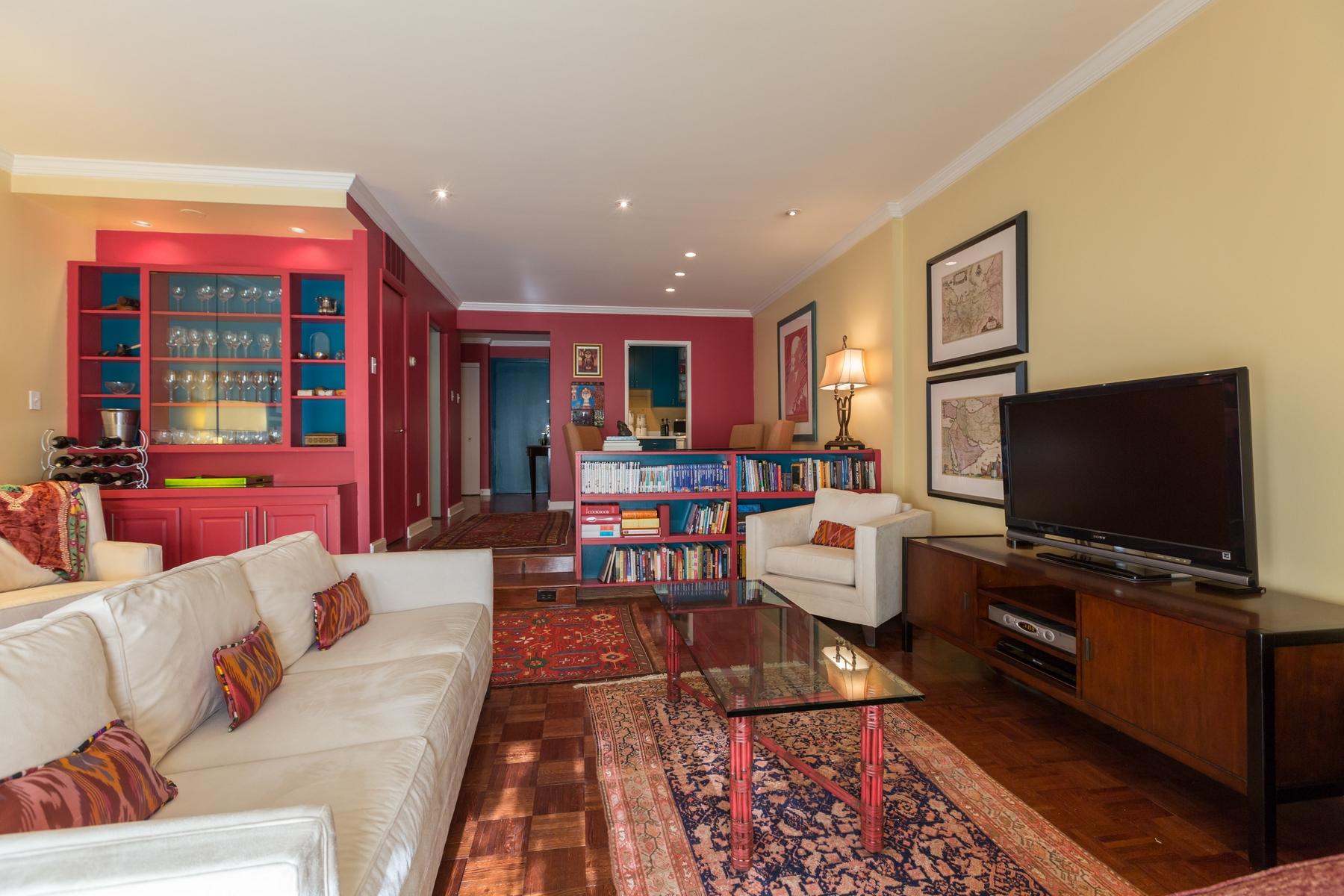 Кооперативная квартира для того Продажа на West End 2501 M Street Nw 610 Washington, Округ Колумбия 20037 Соединенные Штаты