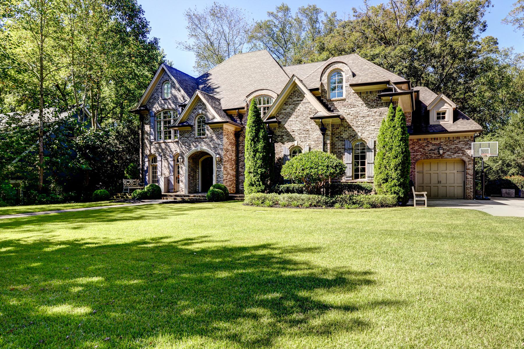獨棟家庭住宅 為 出售 在 Breathtaking Buckhead Home 4172 Carmain Drive NE North Buckhead, Atlanta, 喬治亞州, 30342 美國