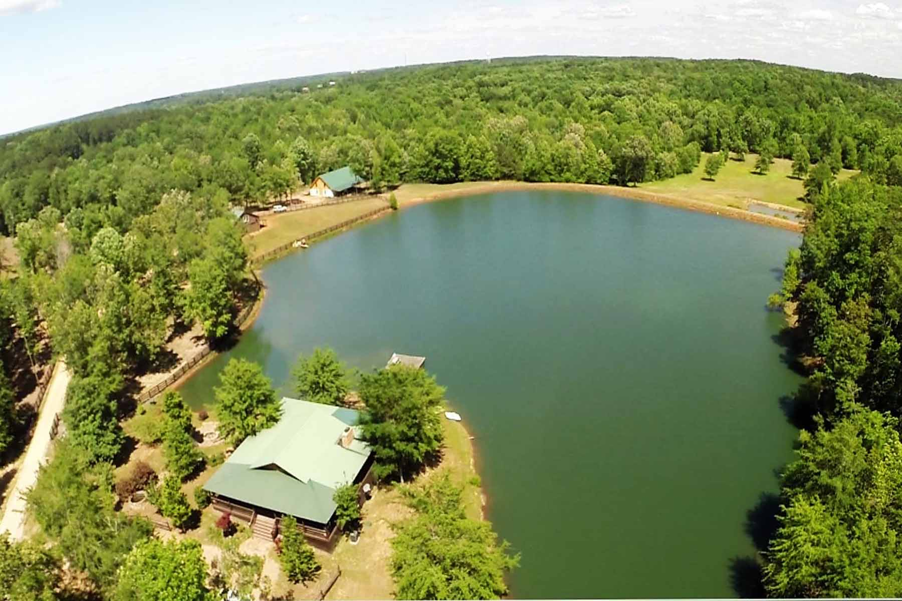 Villa per Vendita alle ore Beautiful 153 Acre Executive Horse Farm 1990 Stagecoach Road Greensboro, Georgia 30642 Stati Uniti