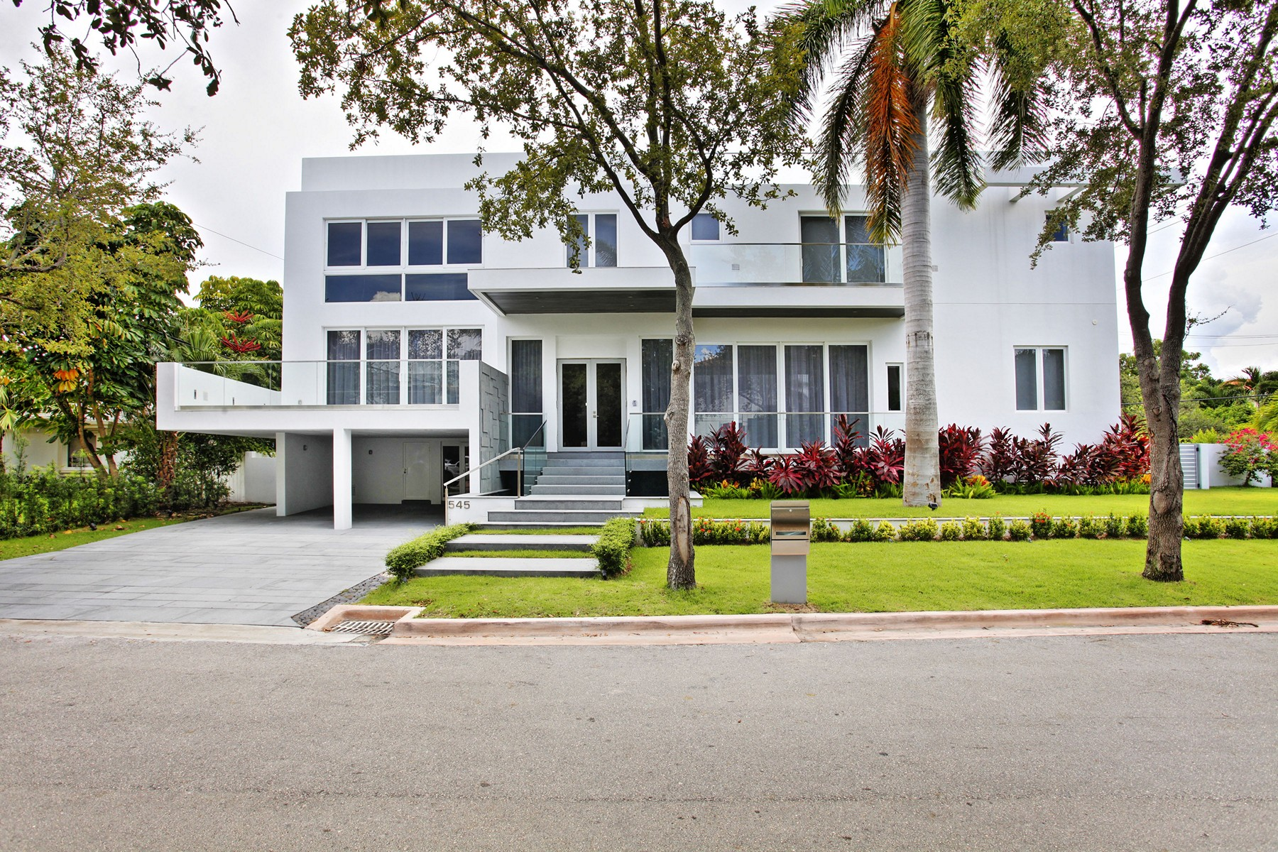 Single Family Home for Sale at 545 Glenridge Rd Key Biscayne, Florida 33149 United States