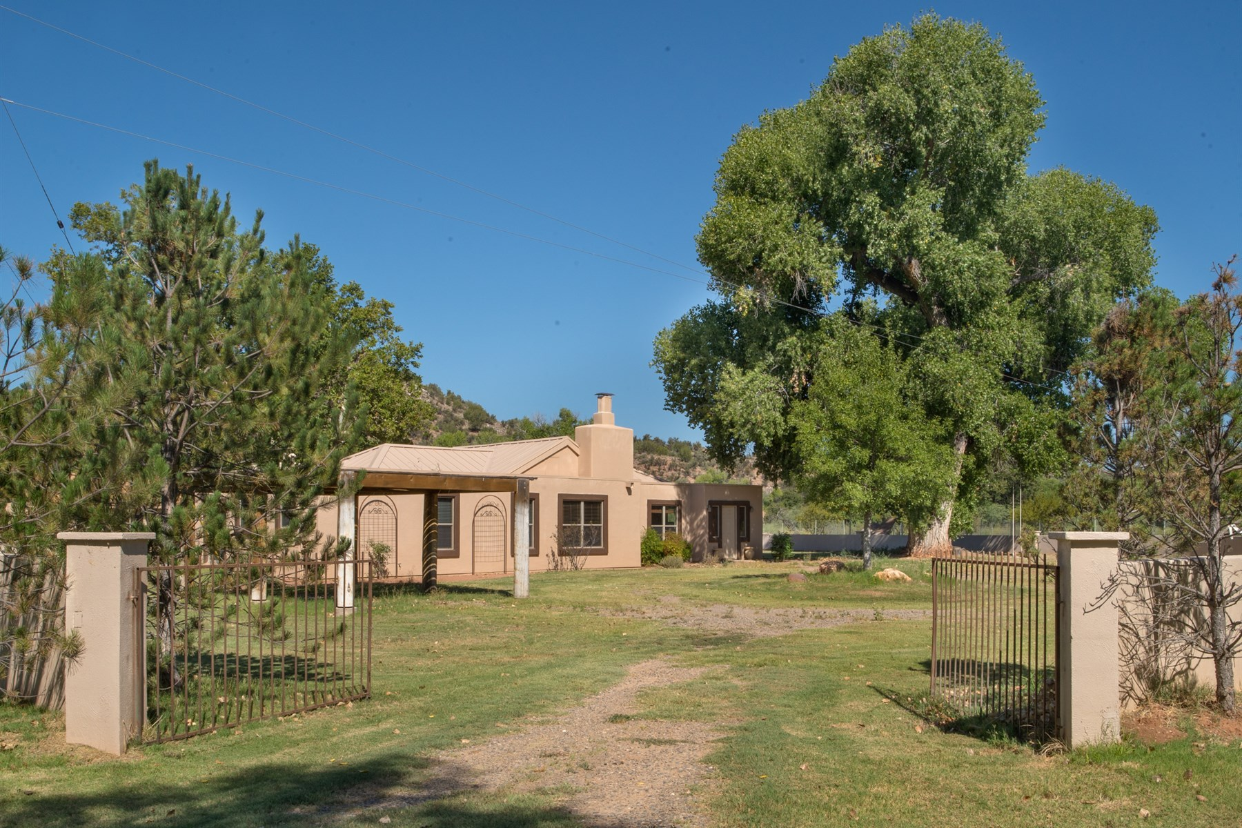Single Family Home for Sale at Special 11 Acre Oak Creek frontage land 105 S Vertholer Ln Cornville, Arizona, 86325 United States