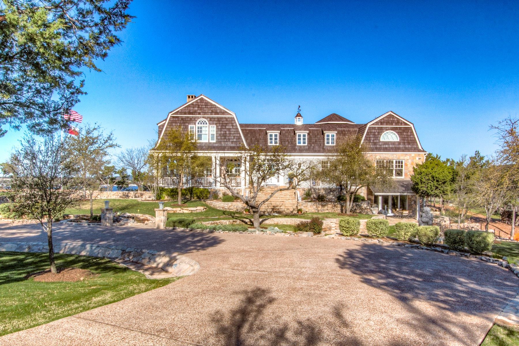 獨棟家庭住宅 為 出售 在 Possum Kingdom Lake front Home 1040 Sunset Circle Graford, 德克薩斯州, 76449 美國