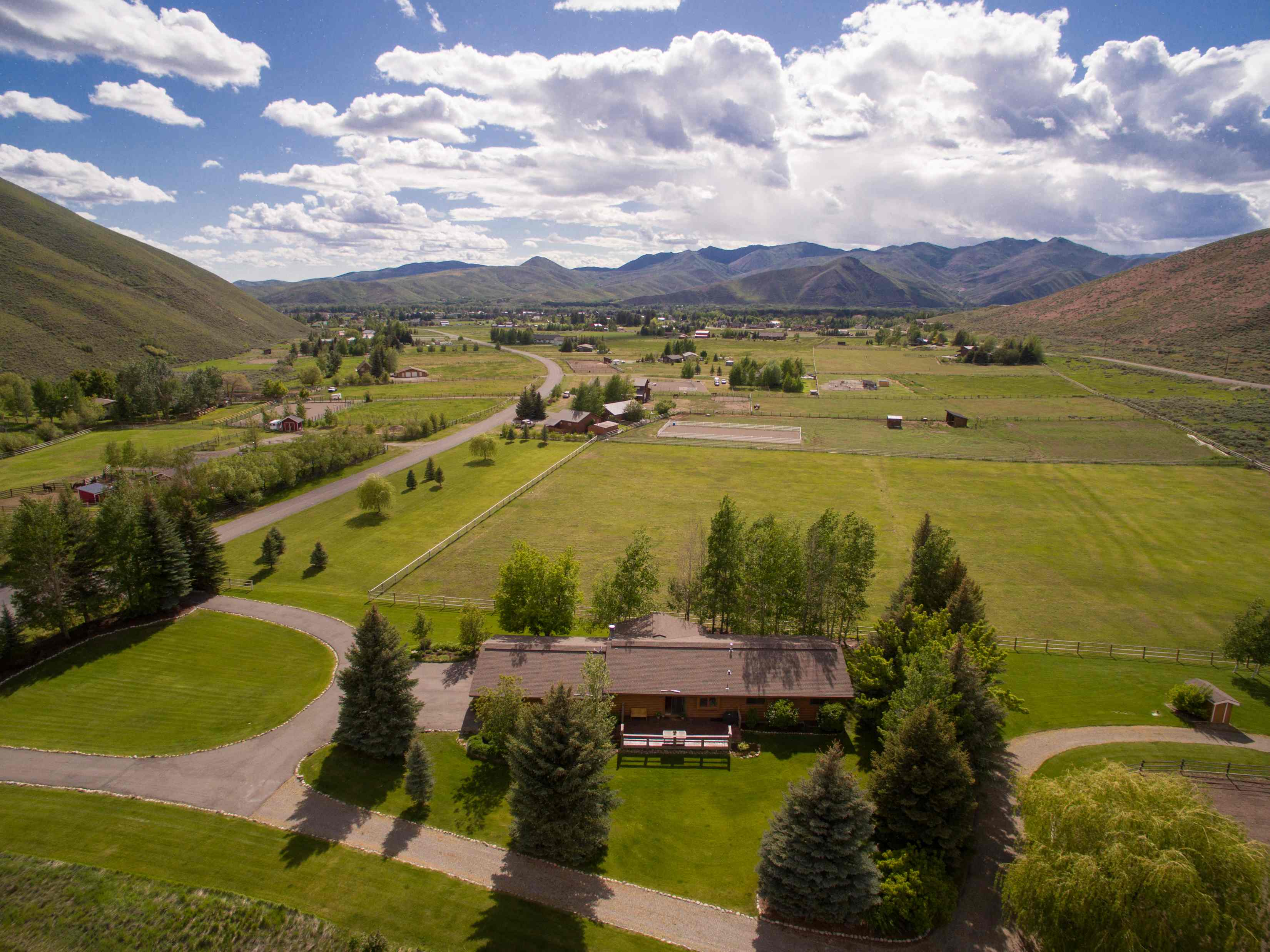 Ferme / Ranch / Plantation pour l Vente à Muldoon Ranch 325 Bayhorse Bellevue, Idaho, 83313 États-Unis