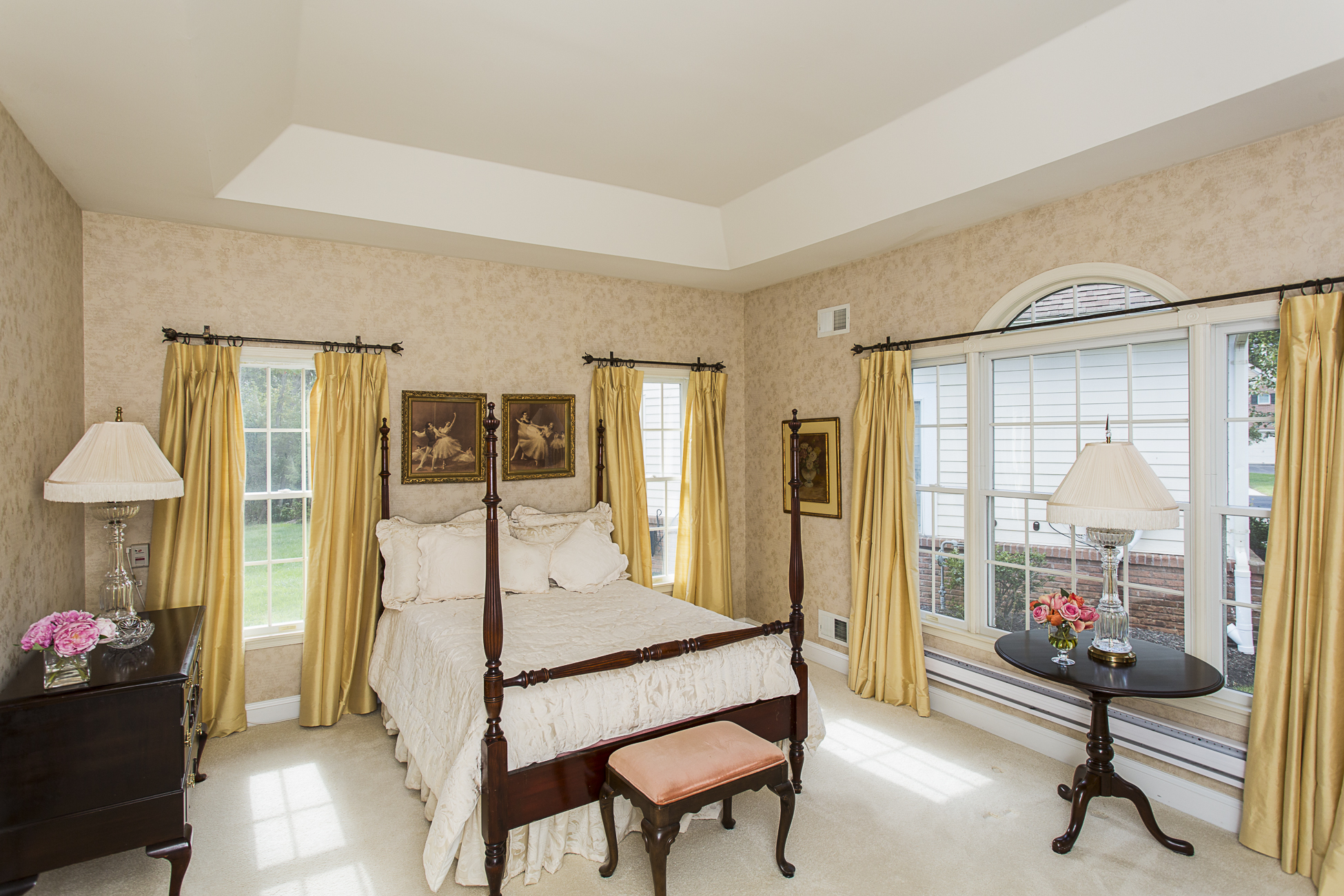 Additional photo for property listing at Easy, Luxurious Living in Princeton Windrows - Plainsboro Township 8 Azalea Court Princeton, New Jersey 08540 États-Unis