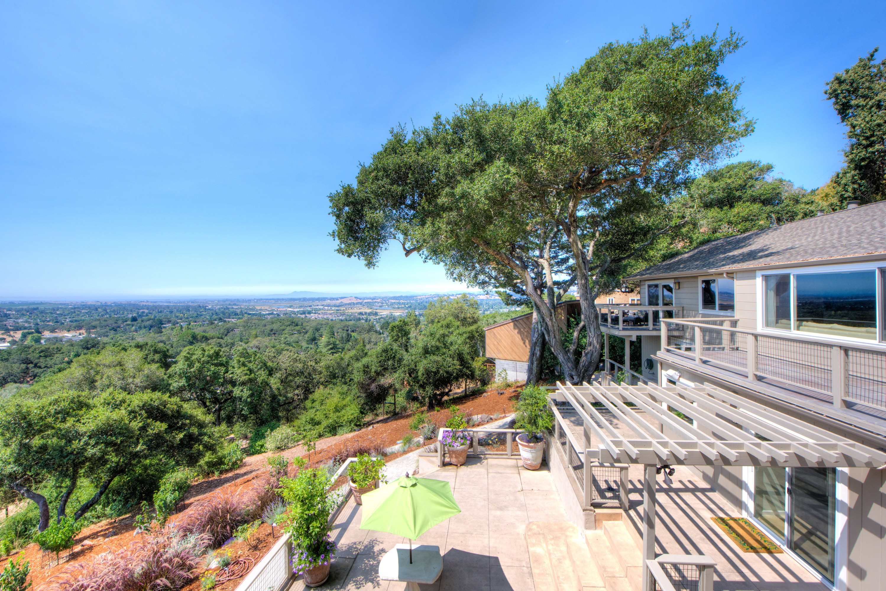 Single Family Home for Sale at Spectacular Views Above Downtown Napa 595 Montecito Blvd Napa, California, 94559 United States