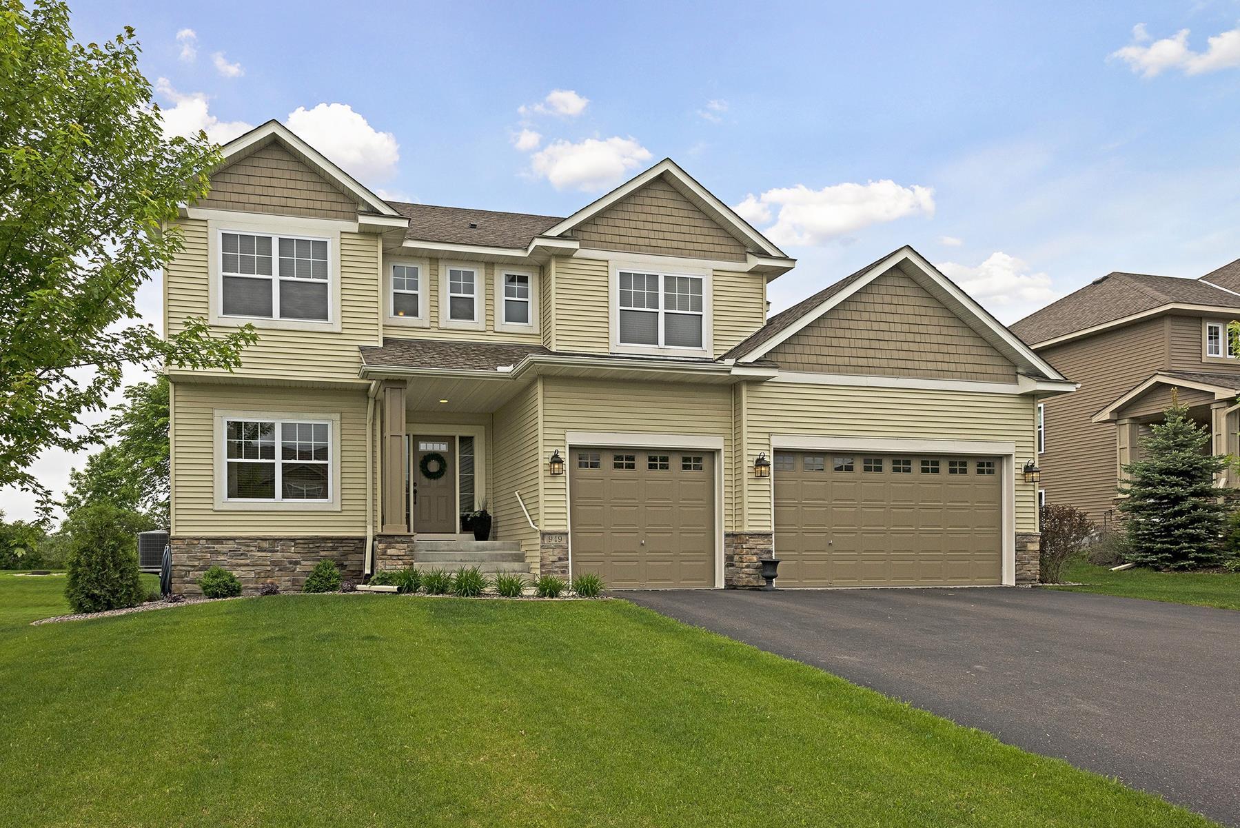 Casa Unifamiliar por un Venta en 949 Gusty Drive Waconia, Minnesota, 55387 Estados Unidos