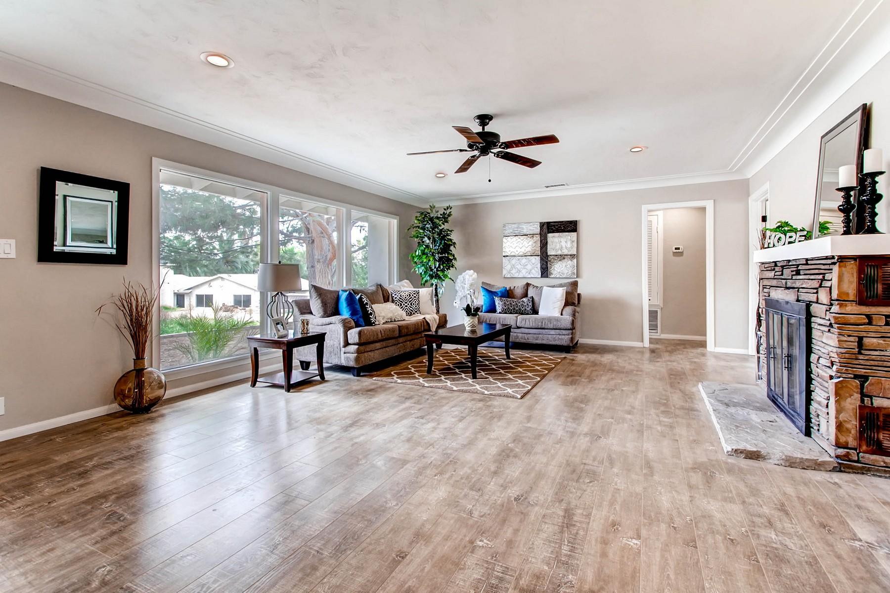 多戶家庭房屋 為 出售 在 12056 Winter Gardens Drive Lakeside, 加利福尼亞州 92040 美國