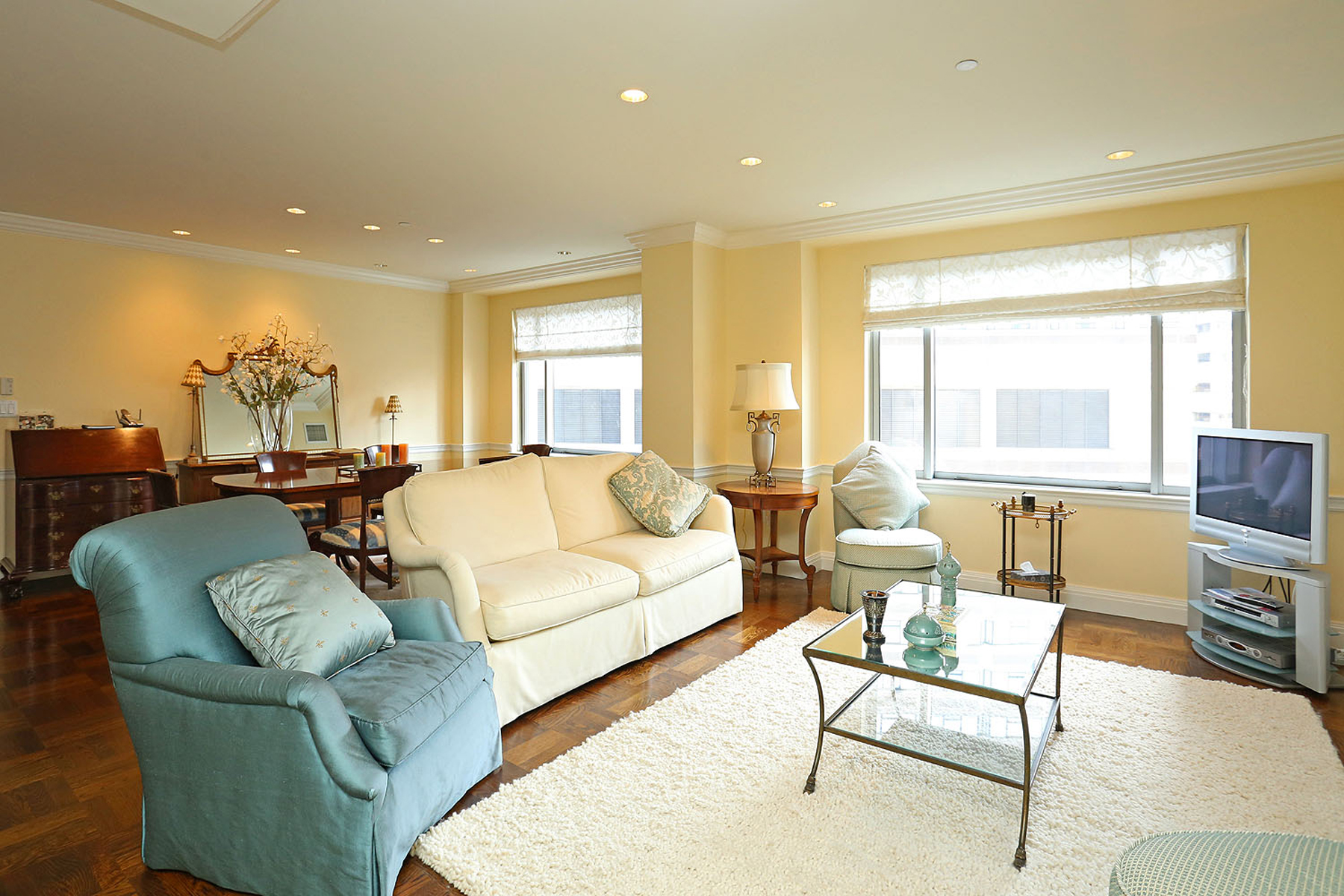 Piso por un Venta en Luxury Living At Trinity Place 1 Huntington Avenue Unit 903 Boston, Massachusetts, 02116 Estados Unidos