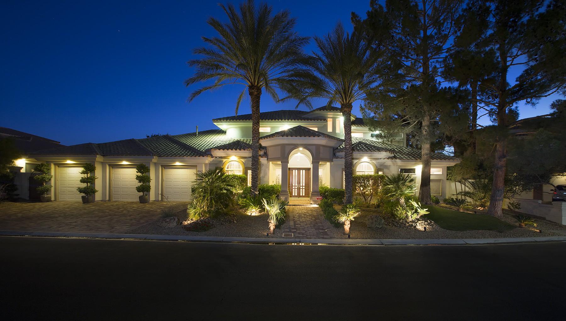 獨棟家庭住宅 為 出售 在 Spanish Heights 4943 Spanish Heights Las Vegas, 內華達州, 89148 美國