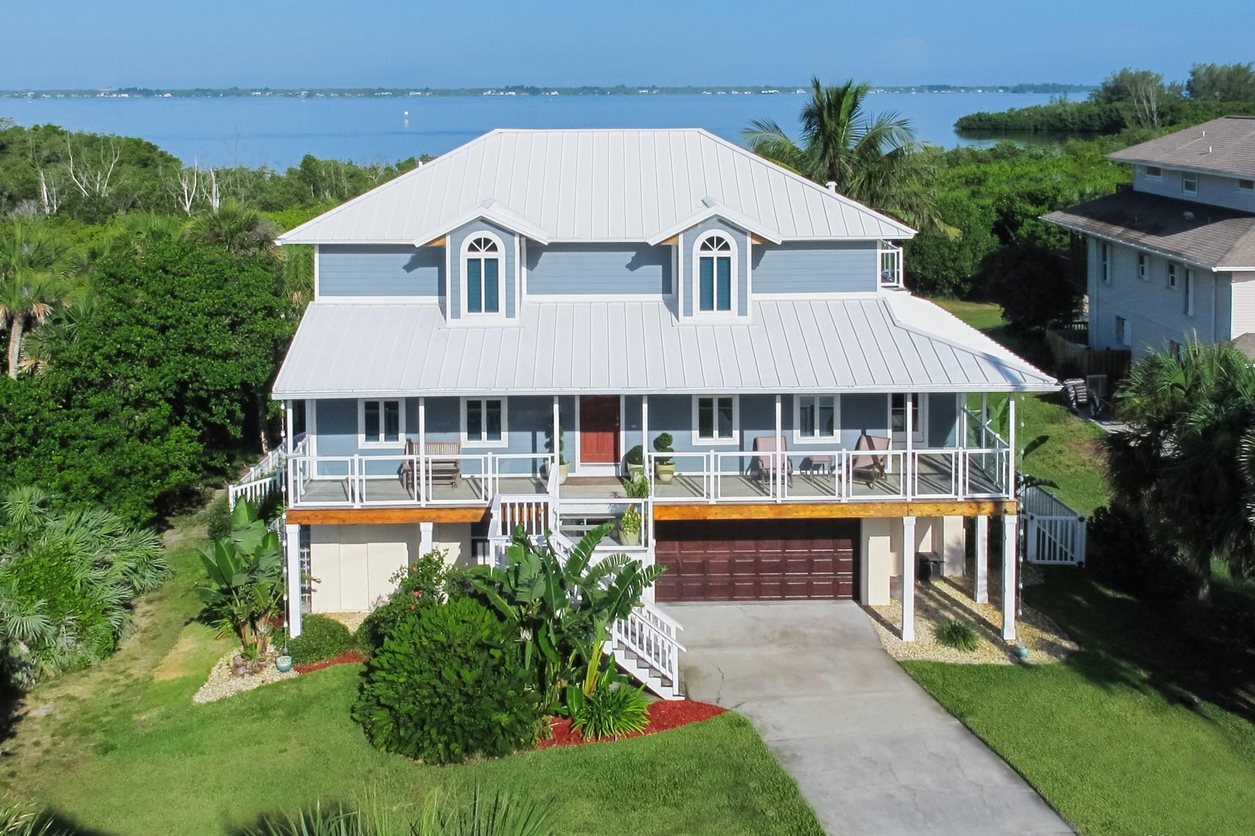 Частный односемейный дом для того Продажа на Exquisite 3 story riverfront home 8360 Highway A1A Melbourne Beach, Флорида 32951 Соединенные Штаты