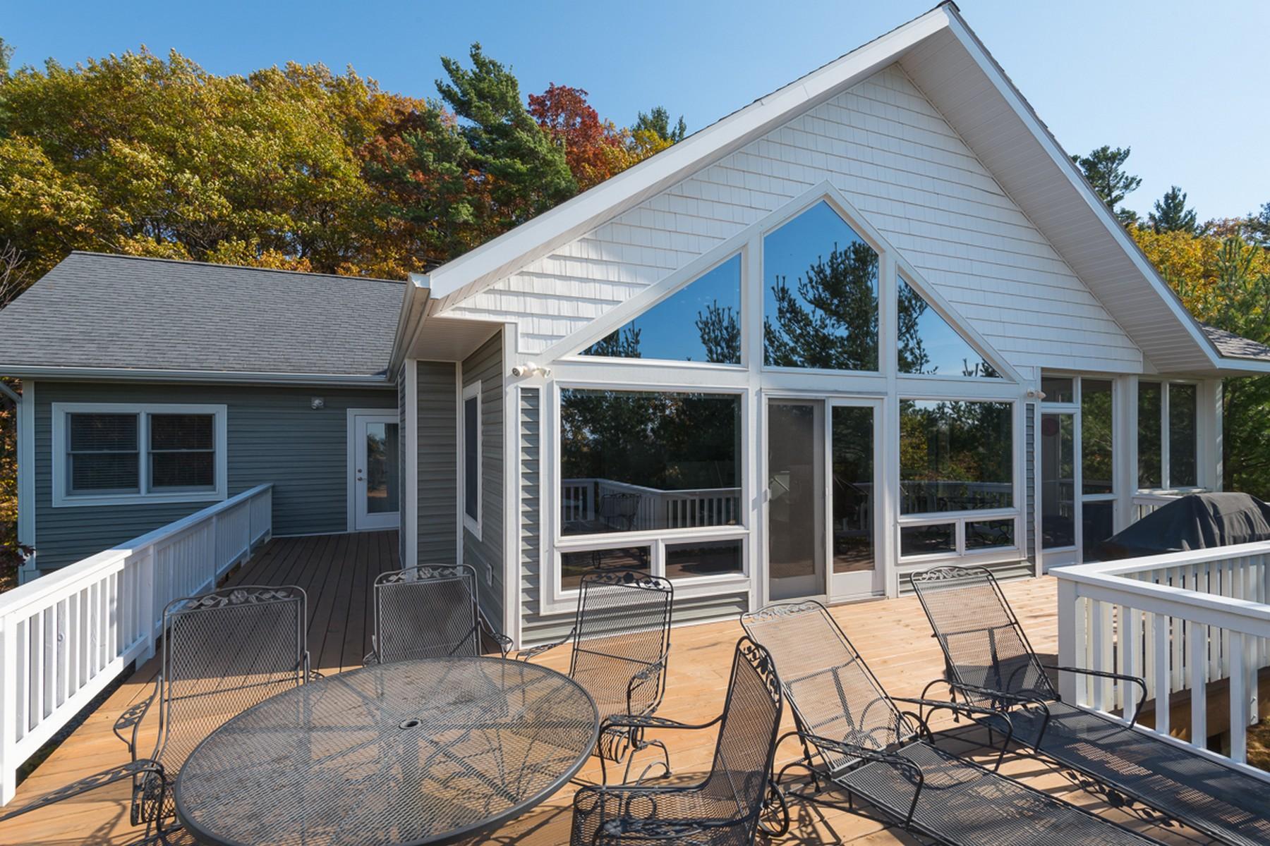 Vivienda unifamiliar por un Venta en Great Lake Michigan Views 14 N Lighthouse Drive Mears, Michigan, 49436 Estados Unidos