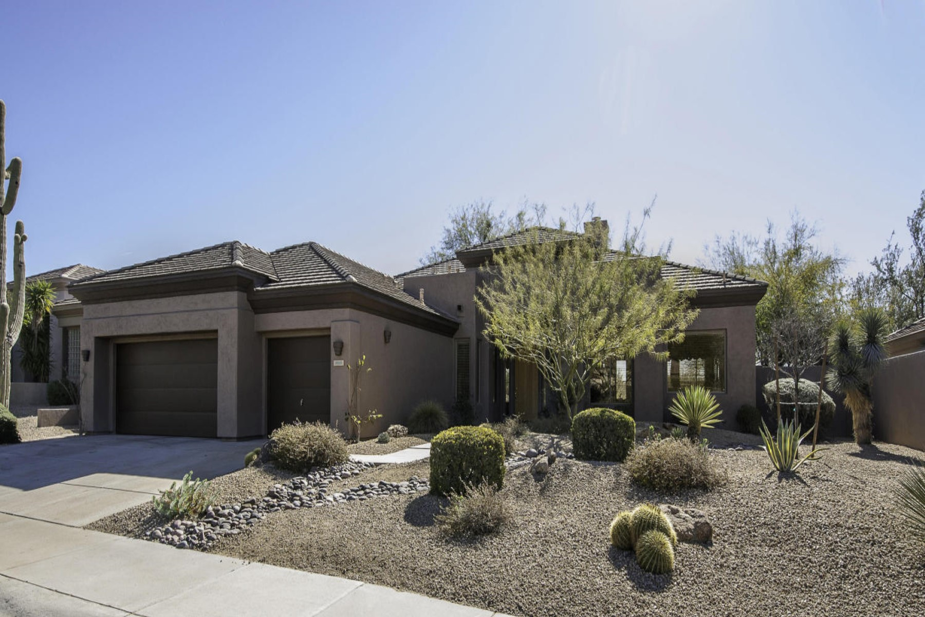 Single Family Home for Sale at Immaculate two bedroom home sits on a beautiful lot 6659 E Amber Sun Dr Scottsdale, Arizona, 85266 United States