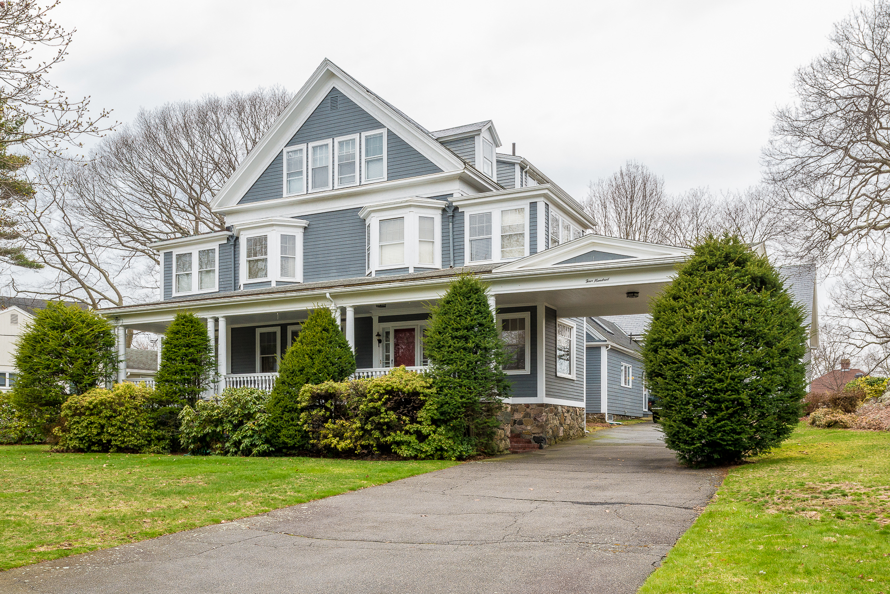 Single Family Home for Sale at Updated Classic Victorian 400 Puritan Road Swampscott, Massachusetts 01907 United States