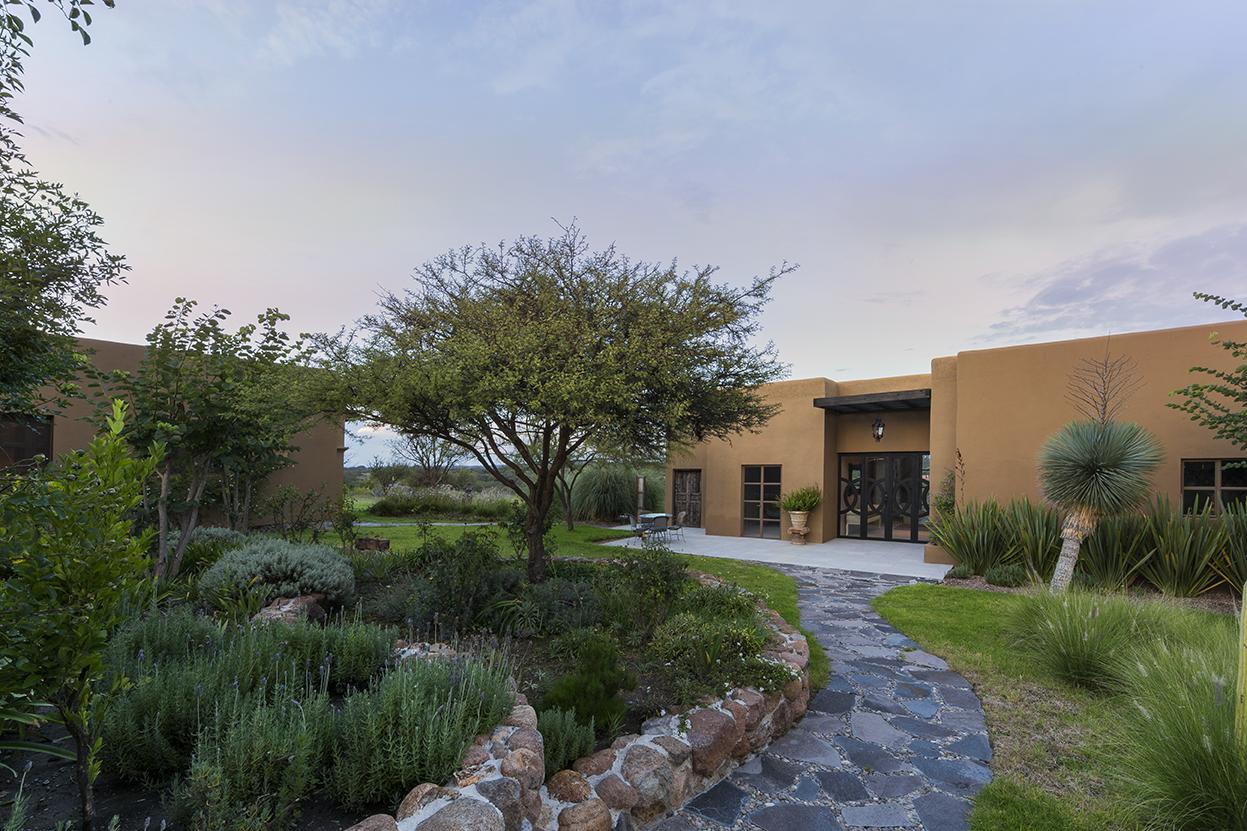 Частный односемейный дом для того Продажа на Casa de la Cumbre Las Garitas Atotonilco San Miguel De Allende, Guanajuato, 37700 Мексика