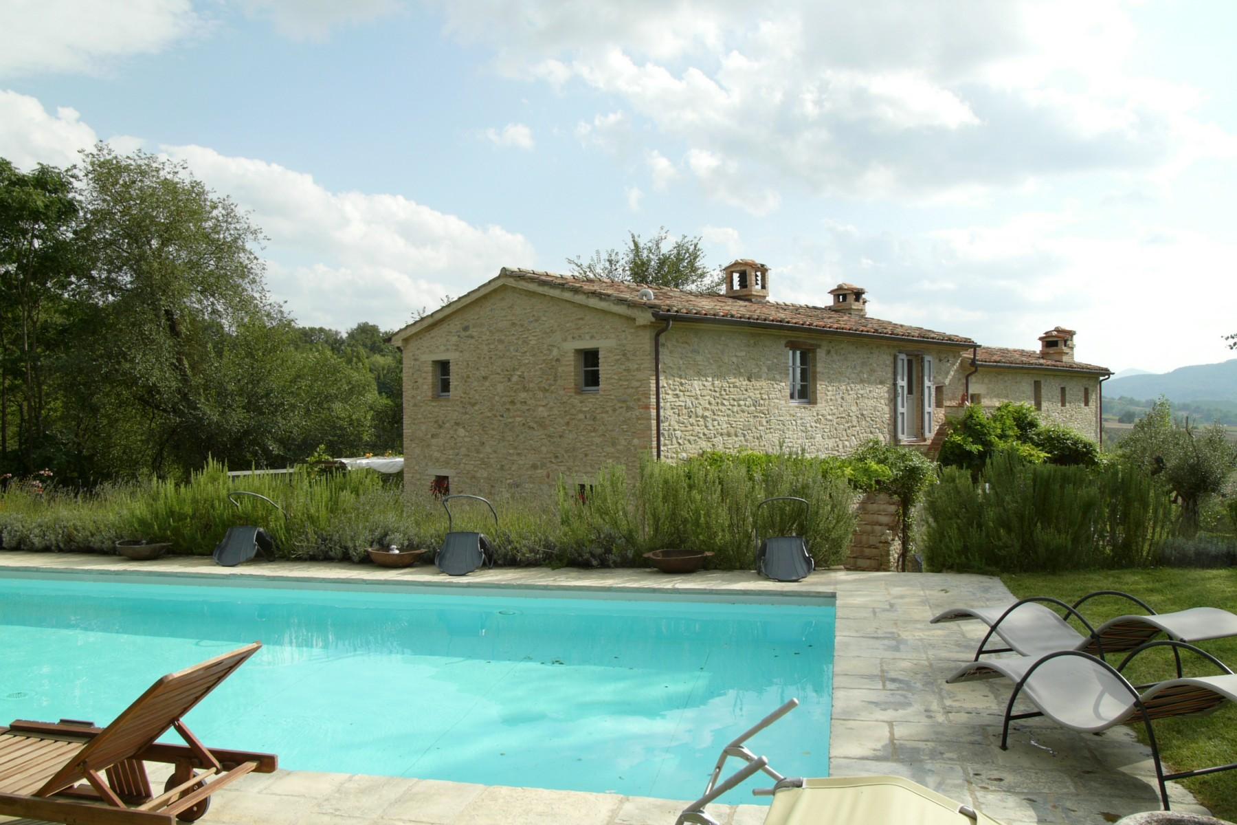 Vivienda unifamiliar por un Venta en Stone farmhouse with stunning views Voc. Caibizzocco Montone, Perugia 06014 Italia