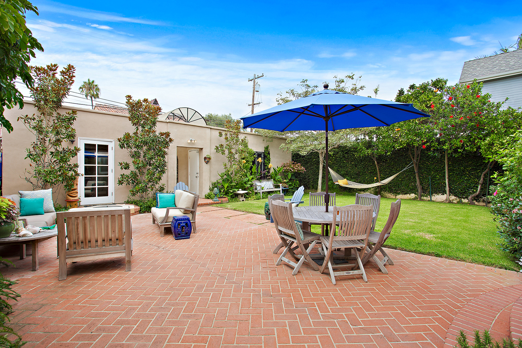 Additional photo for property listing at 868 J Avenue  Coronado, California 92118 United States