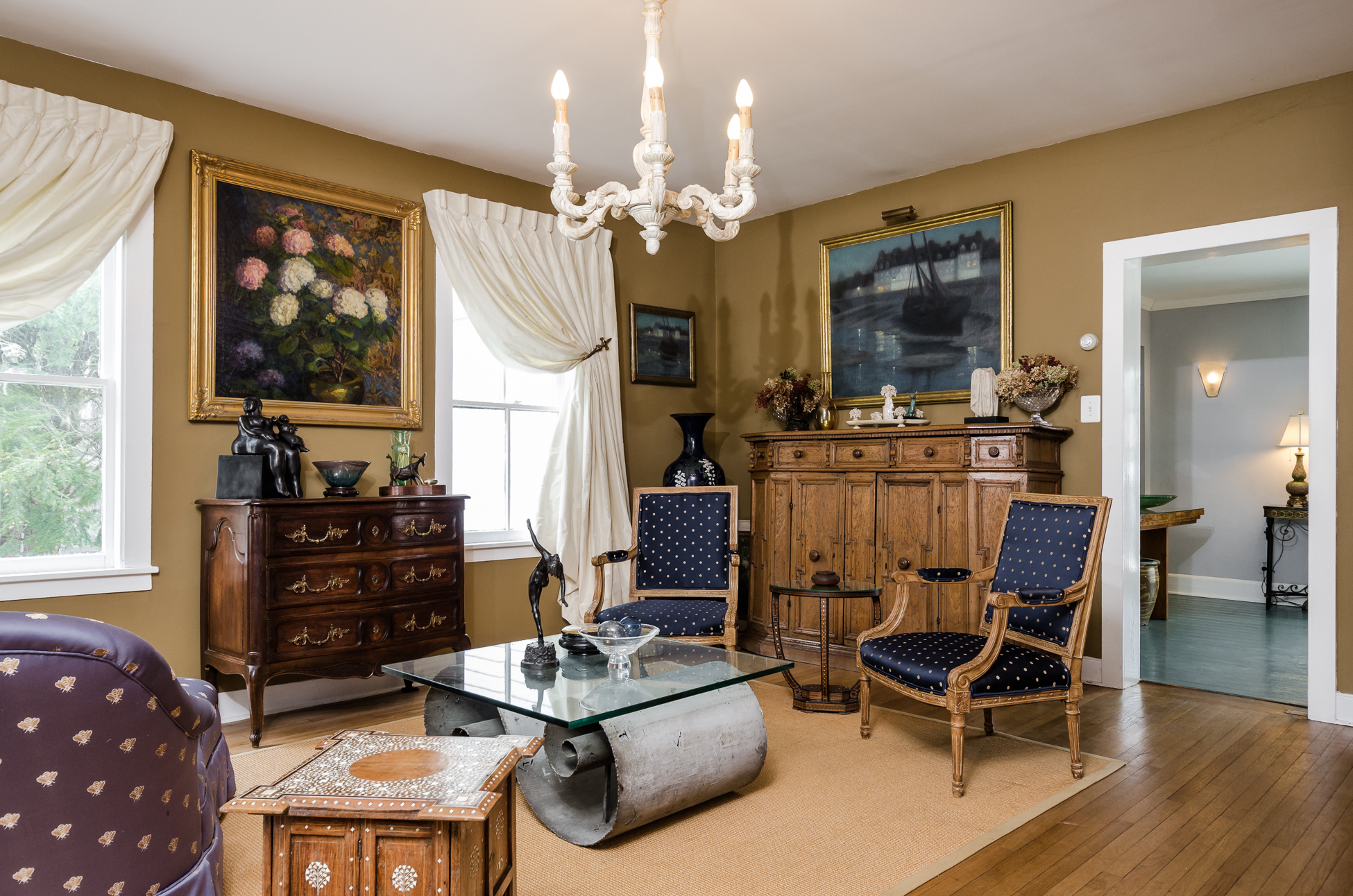 Additional photo for property listing at A Piece Of History In The Borough 21 Louellen Street Hopewell, New Jersey 08525 États-Unis