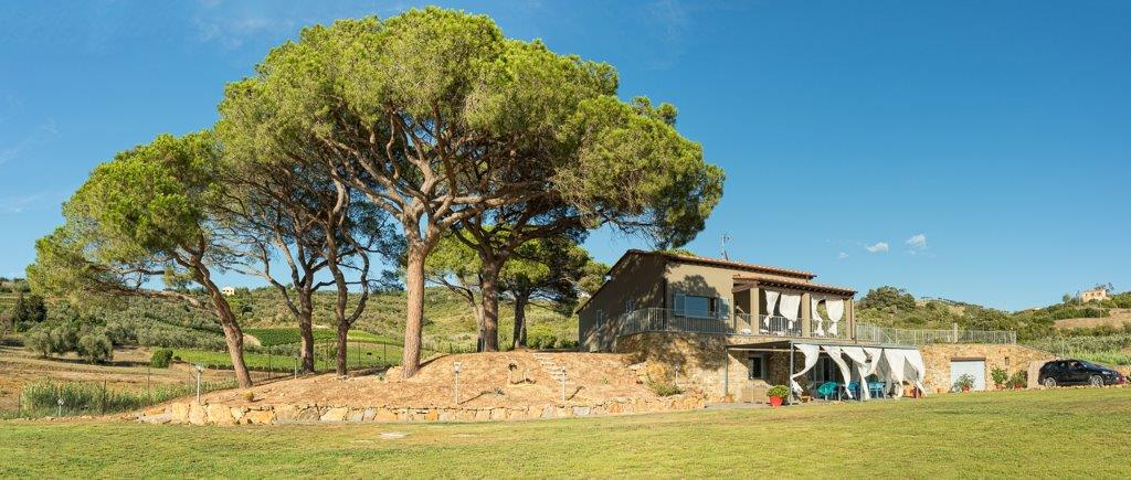 Additional photo for property listing at Luxury villa in the countryside in Porto Azzurro Via Valdana Porto Azzurro, Livorno 57036 Italia