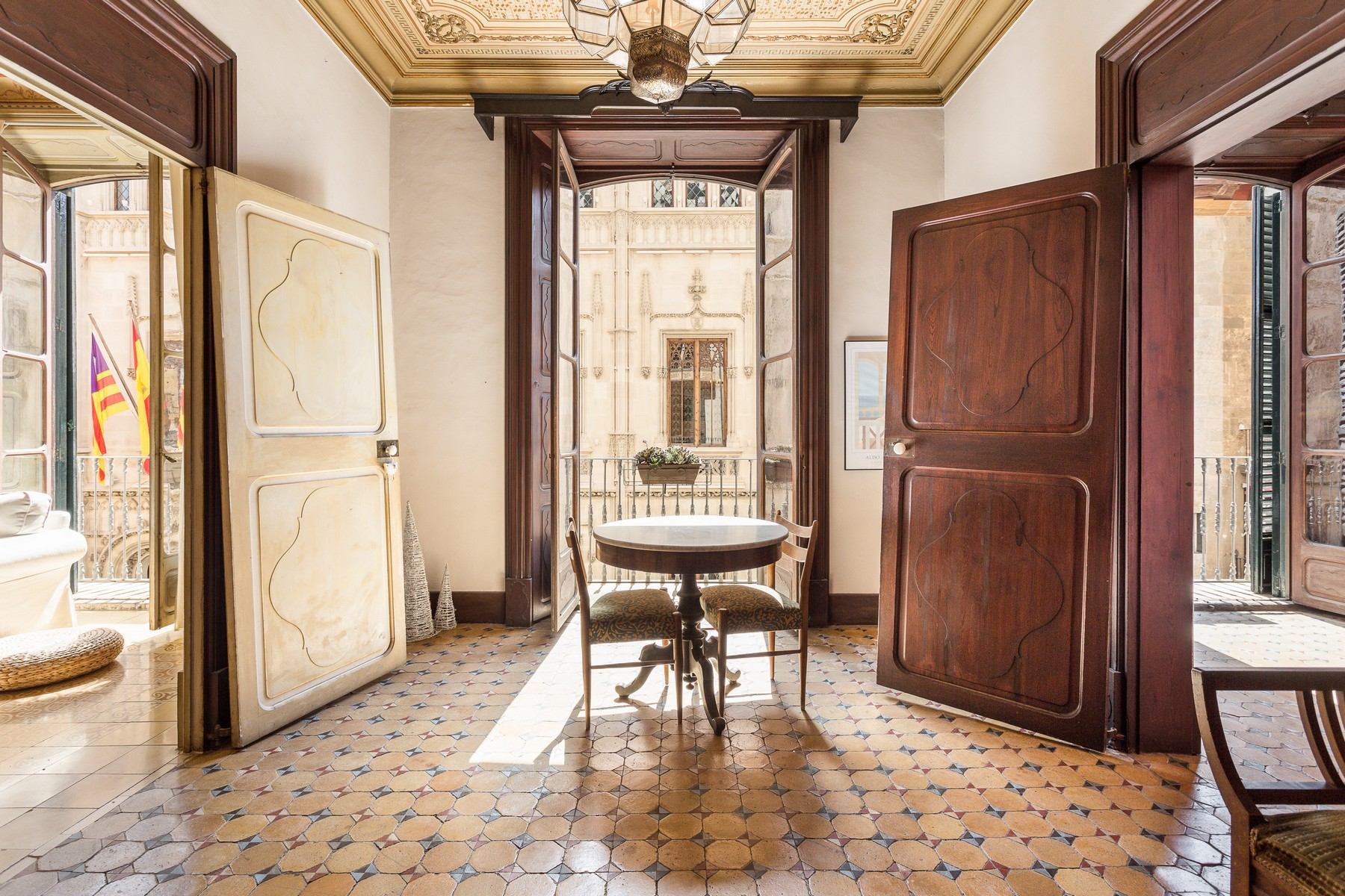 Single Family Home for Sale at Magnificent apartment in the Old Town of Palma Palma, Mallorca 07001 Spain