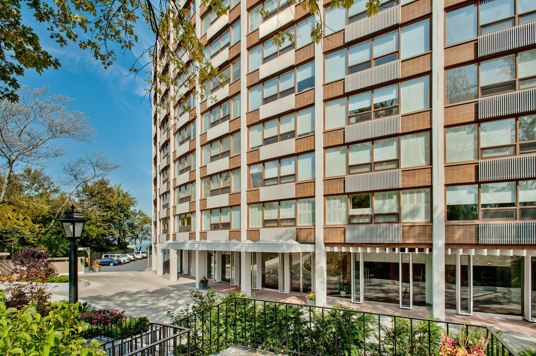 Property For Sale at Stunning Unit In Architectual Co-Op Building