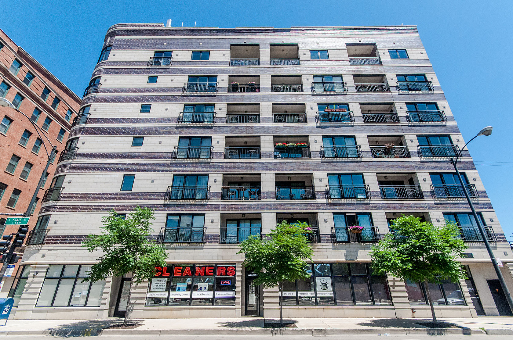 Condominium for Sale at Absolutely Stunning South Loop Beauty! 1601 S State Street Unit 6C Near South Side, Chicago, Illinois 60616 United States