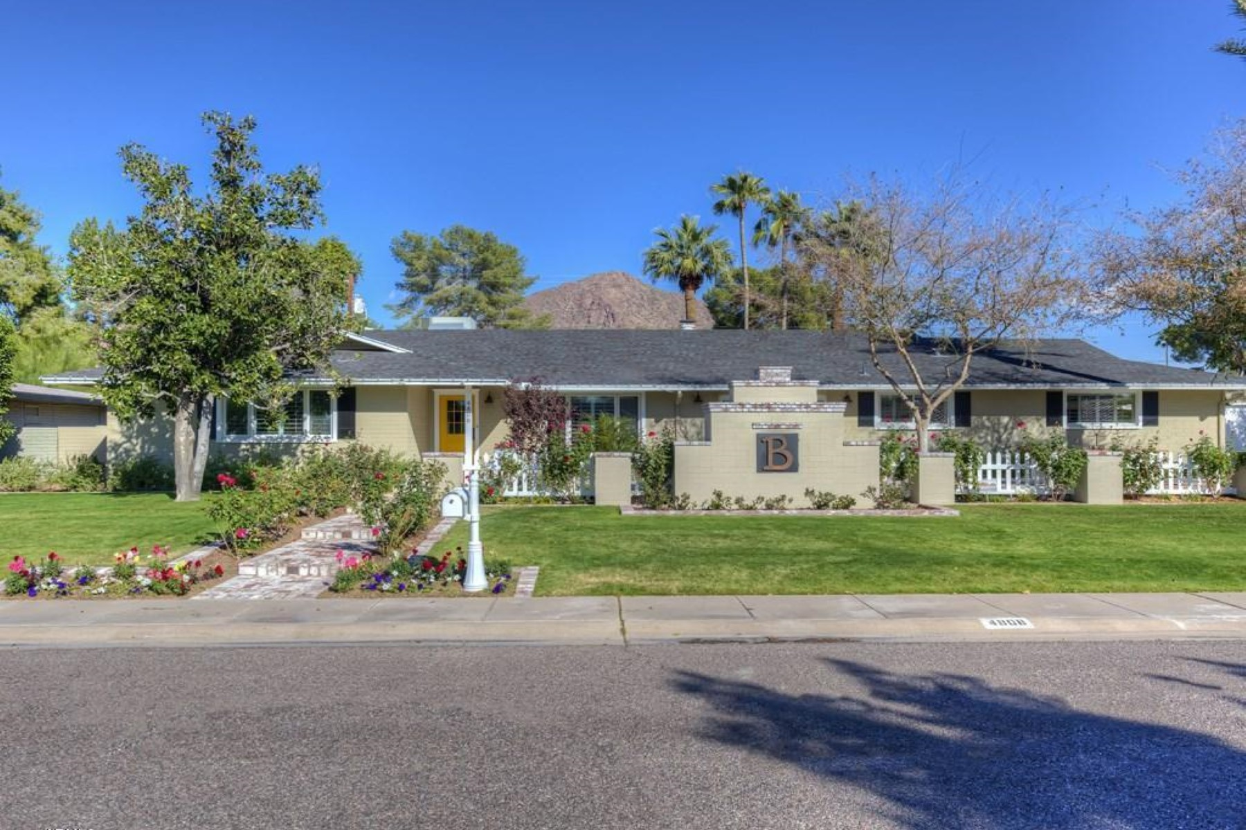 sales property at Super charming quintessential Arcadia Ranch home