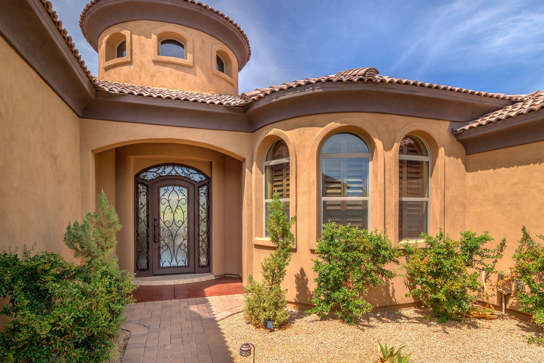Single Family Home for Sale at Beautiful 4,000 SF Home in Mirabel Villge - North Scottsdale 9810 E Winter Sun Drive Scottsdale, Arizona, 85262 United States