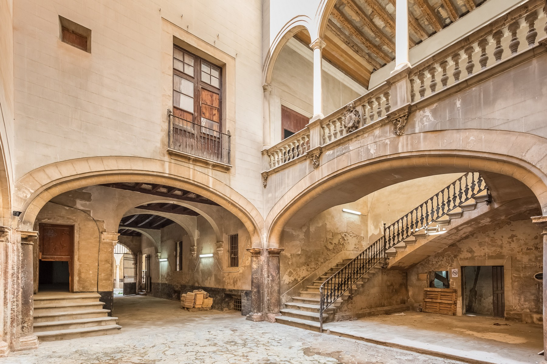 sales property at Palace in the Old Town of Palma