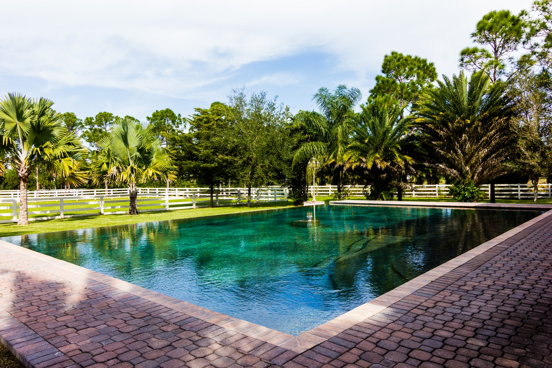 Property For Sale at Exquisite 5+ acre equestrian estate