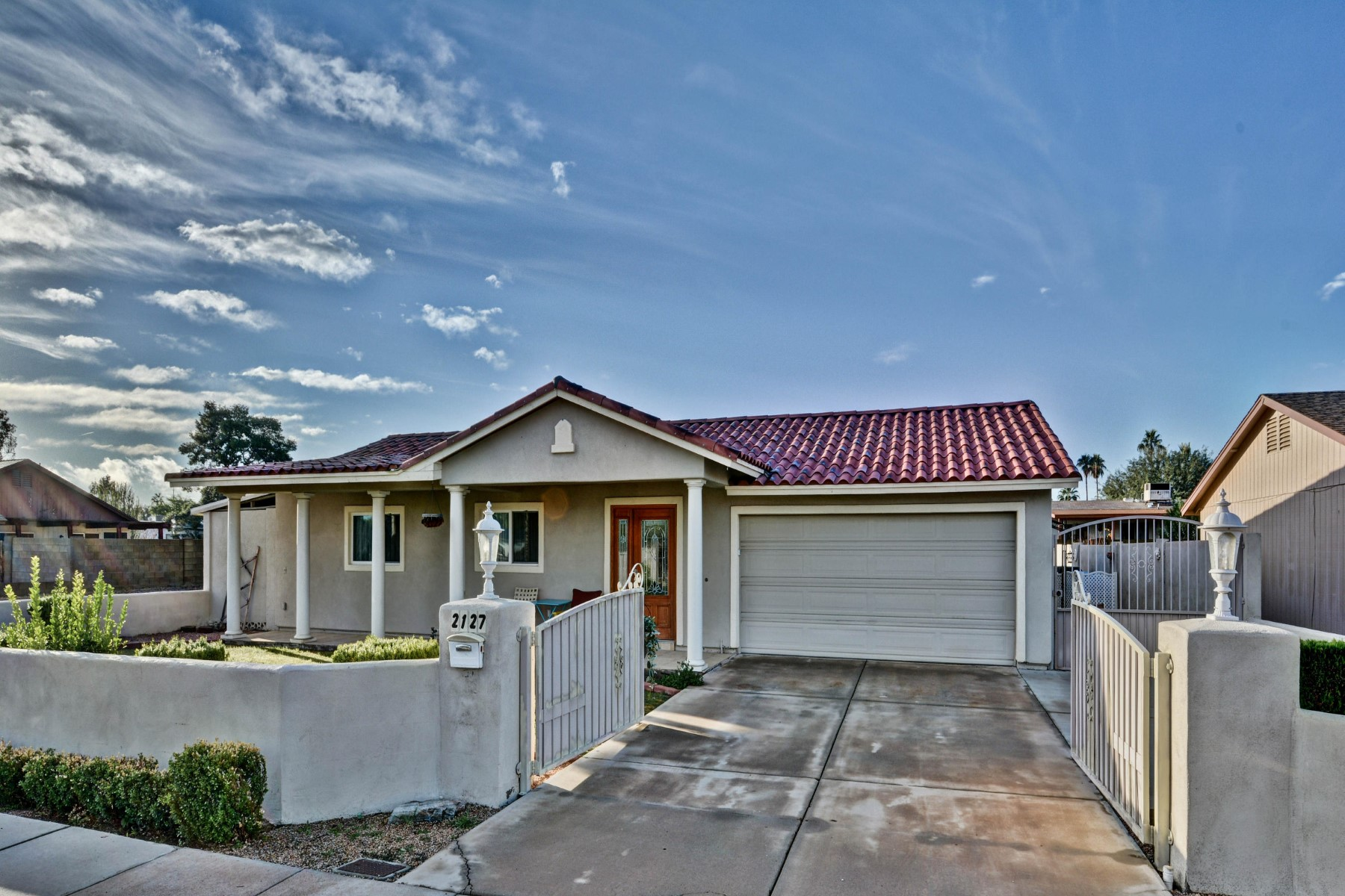 獨棟家庭住宅 為 出售 在 Gorgeous home in Phoenix 2127 E Kathleen Rd Phoenix, 亞利桑那州, 85022 美國