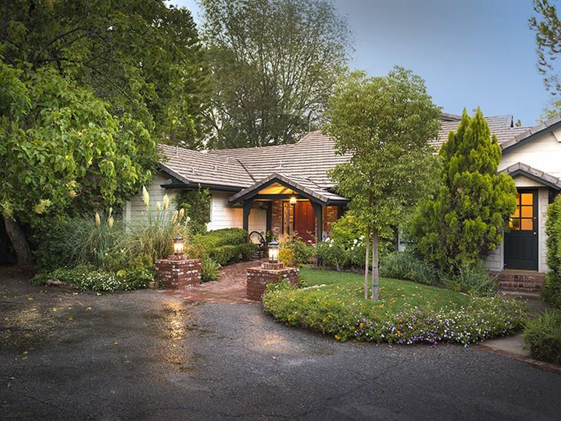 Villa per Vendita alle ore 6076 Clear Valley Road Hidden Hills, California 91302 Stati Uniti