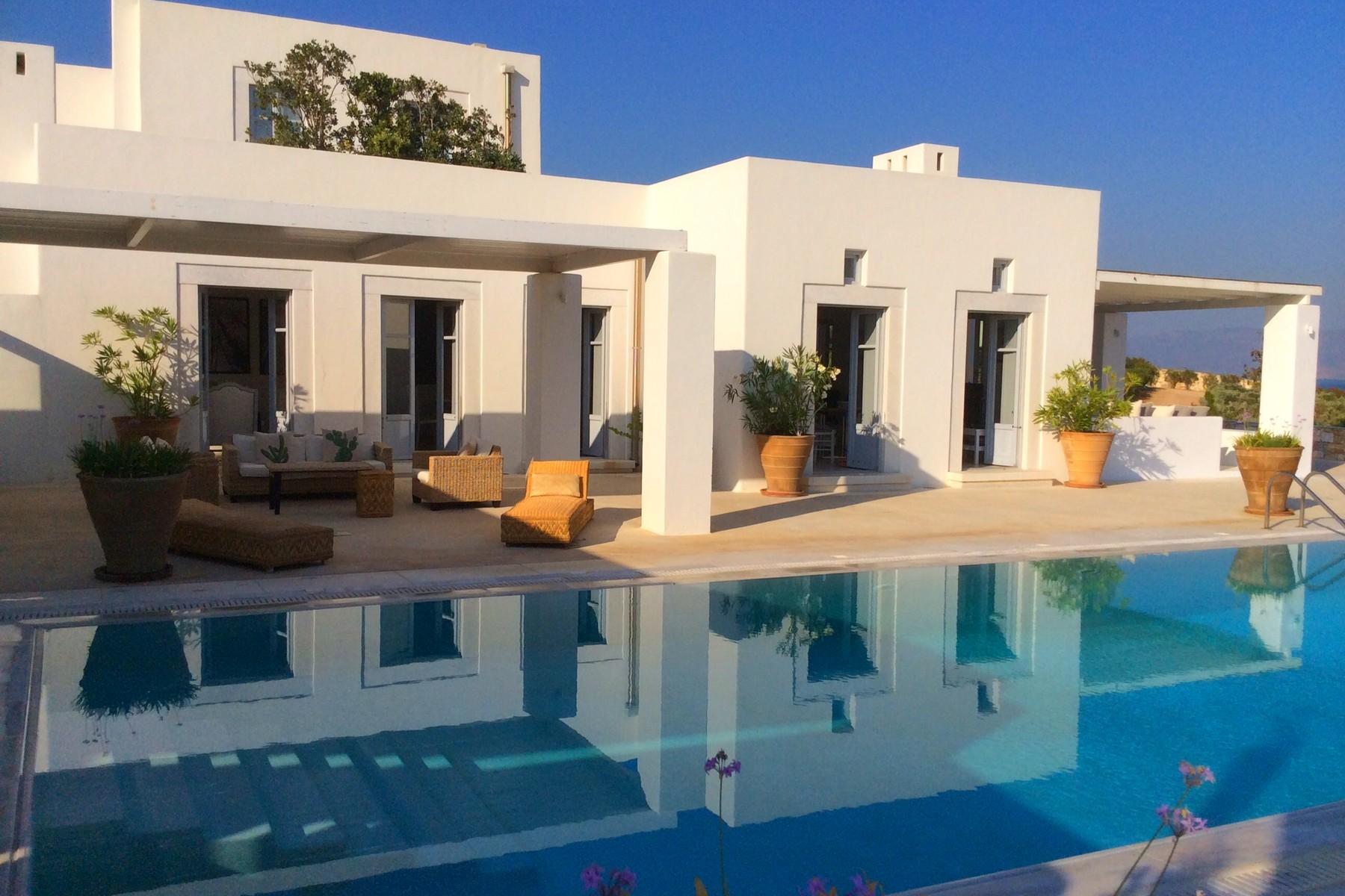 Nhà ở một gia đình vì Bán tại Sea Front Villa in Paros Paros, Nam Aegean Hy Lạp