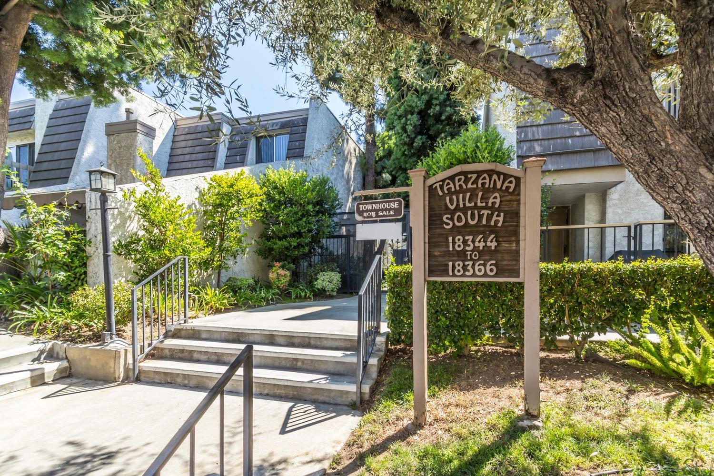 Condominium for Sale at 18350 Collins St #B Tarzana, California 91356 United States