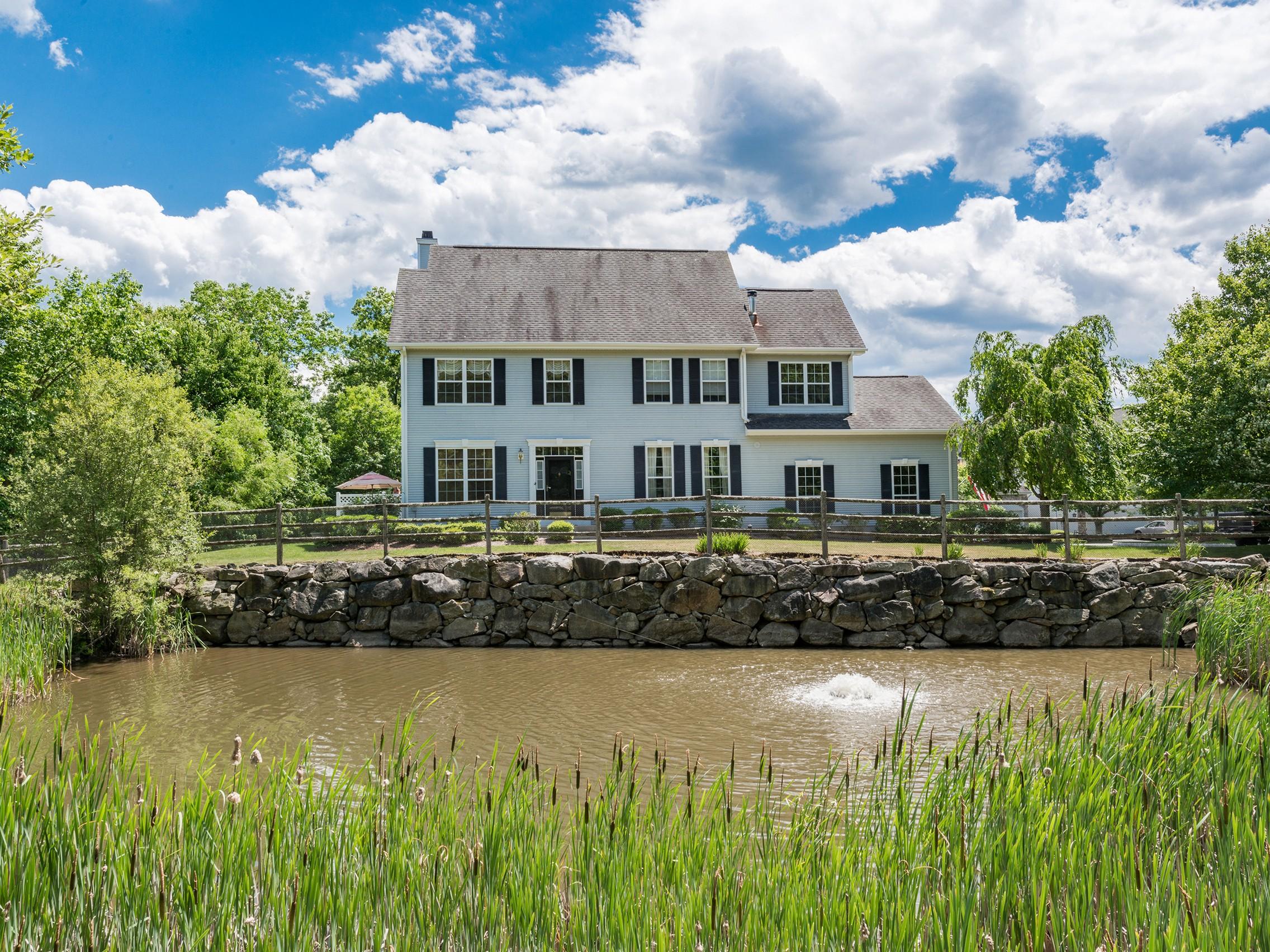 獨棟家庭住宅 為 出售 在 Luxurious Town Home 16 Willow Court Tuxedo Park, 紐約州, 10987 美國