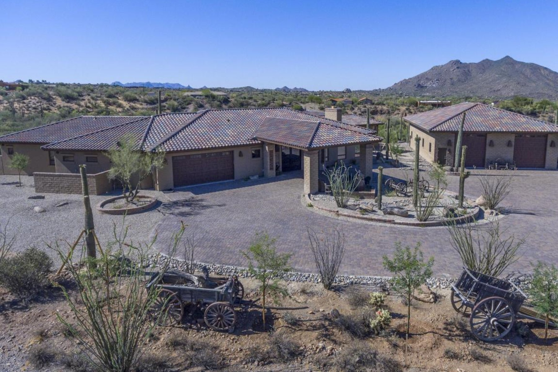 sales property at Gorgeous home with panaoramic mountain views