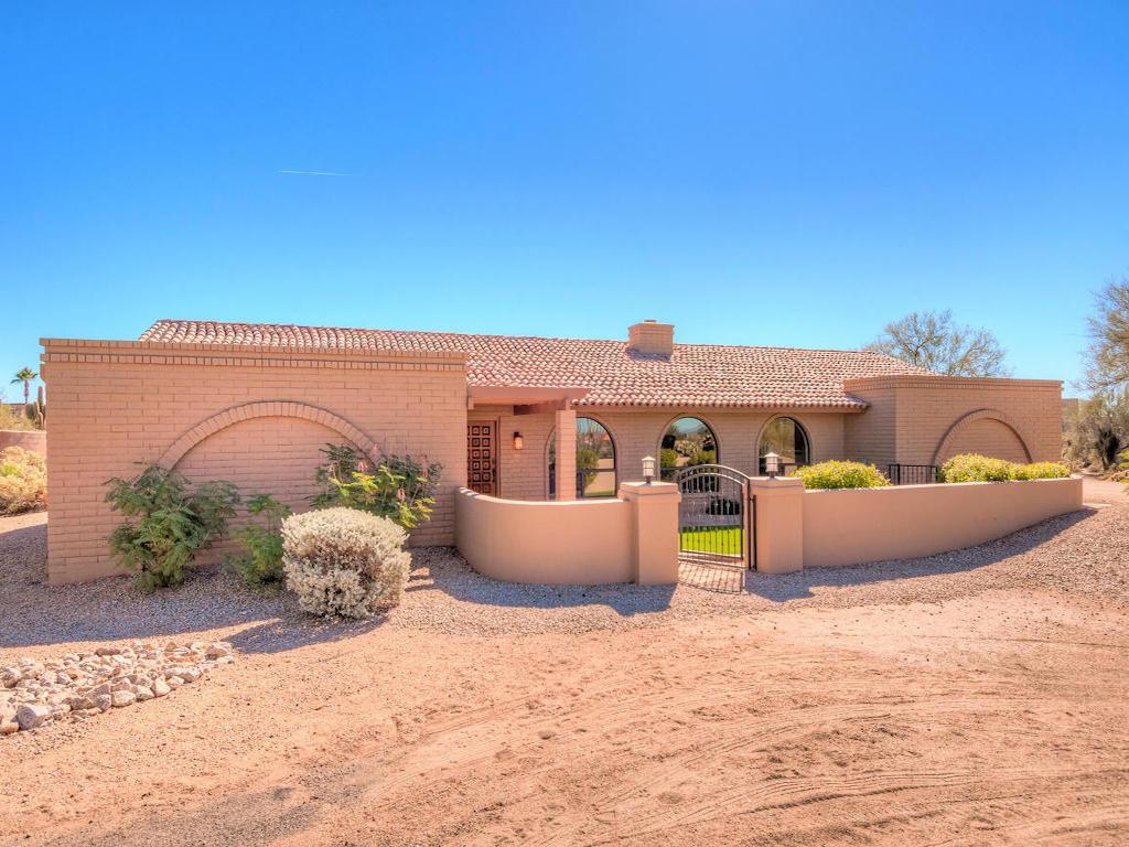 Property For Sale at Stunning Custom Slump Block Estate