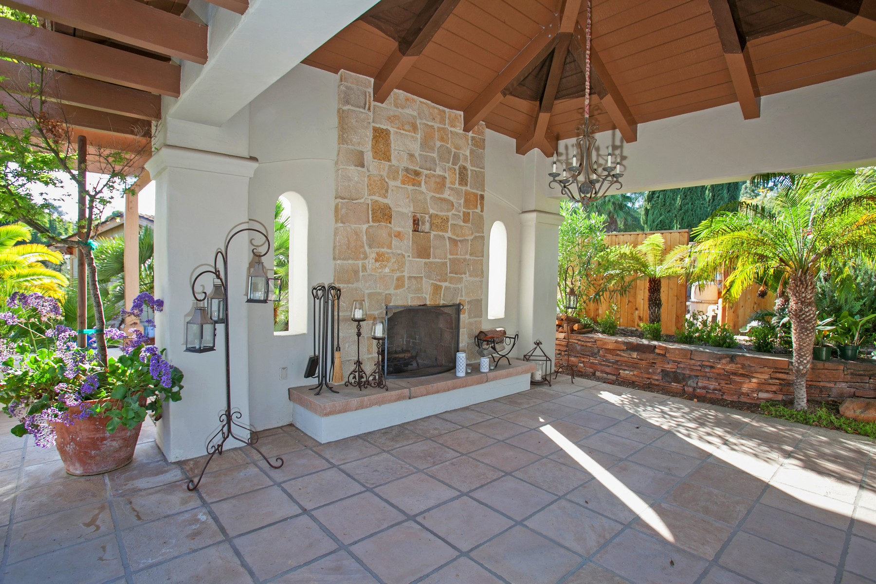 Additional photo for property listing at 7045 El Vuelo Del Este  Rancho Santa Fe, Калифорния 92067 Соединенные Штаты