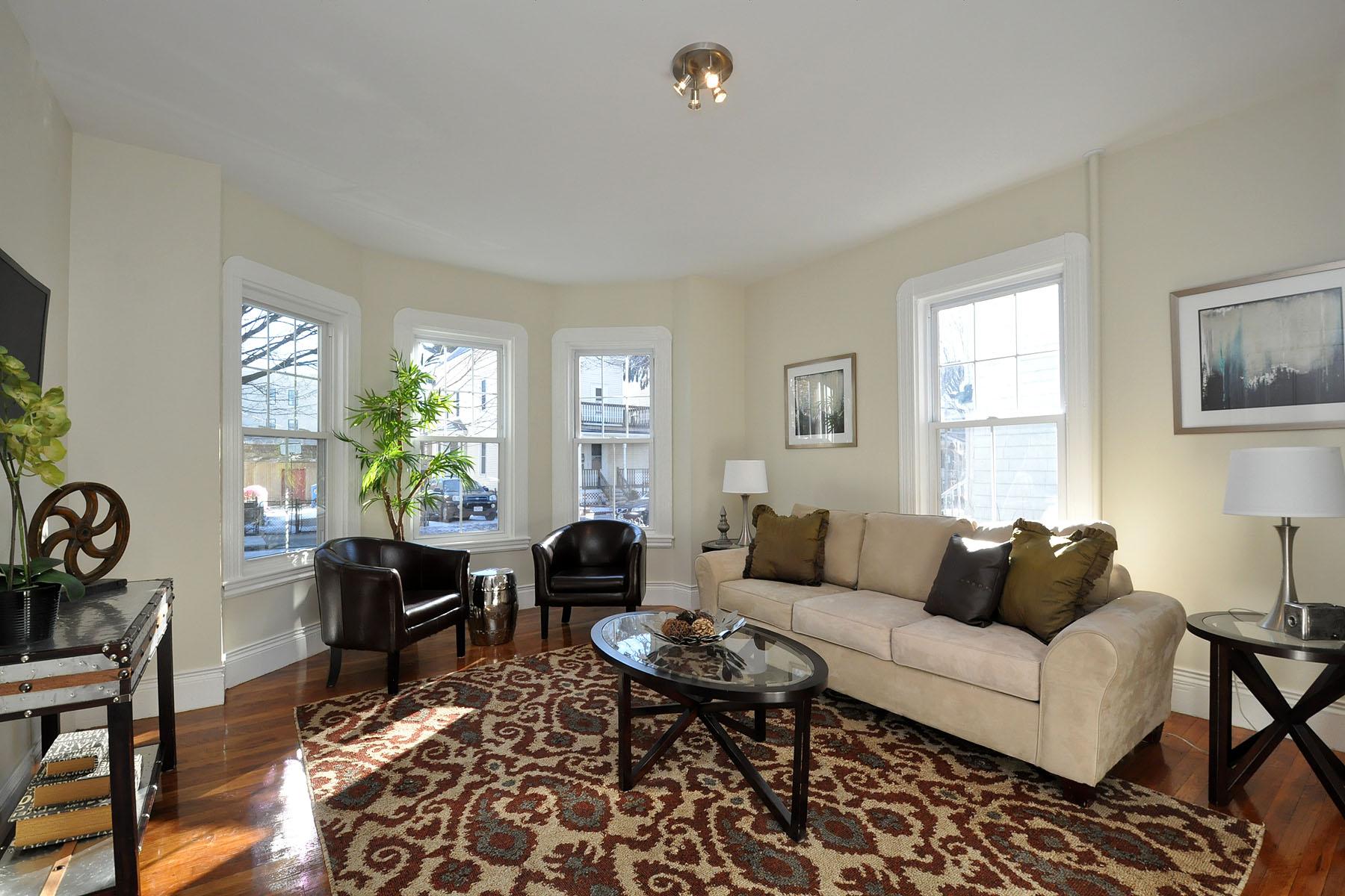 Condominio per Vendita alle ore 65 Auckland St Unit 1 Boston, Massachusetts 02125 Stati Uniti