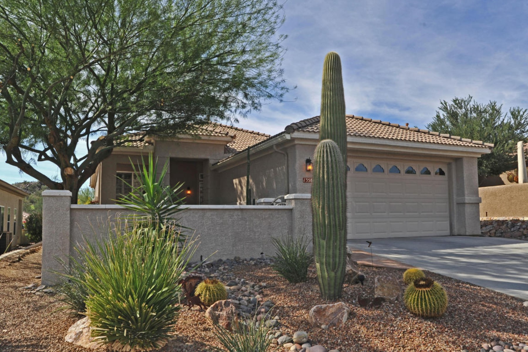 Property For Sale at Upgraded home in gated adult community of Heritage Highlands at Dove Mountain