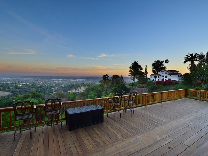 Casa Unifamiliar por un Venta en La Habra Heights 1050 E. Avocado Crest Rd. La Habra Heights, California 90631 Estados Unidos