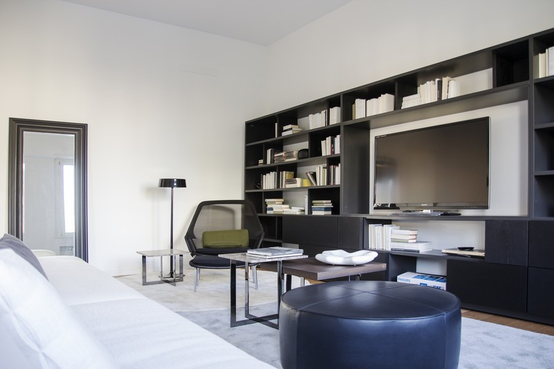 Additional photo for property listing at Bright residence with city view Viale Majno Milano, Milan 20129 Italia