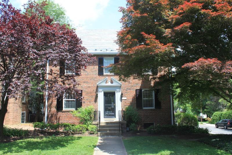 Casa Unifamiliar por un Venta en 3223 Rittenhouse Street Nw NW, Washington 3223 NW Rittenhouse Street Nw Washington, Distrito De Columbia 20015 Estados Unidos