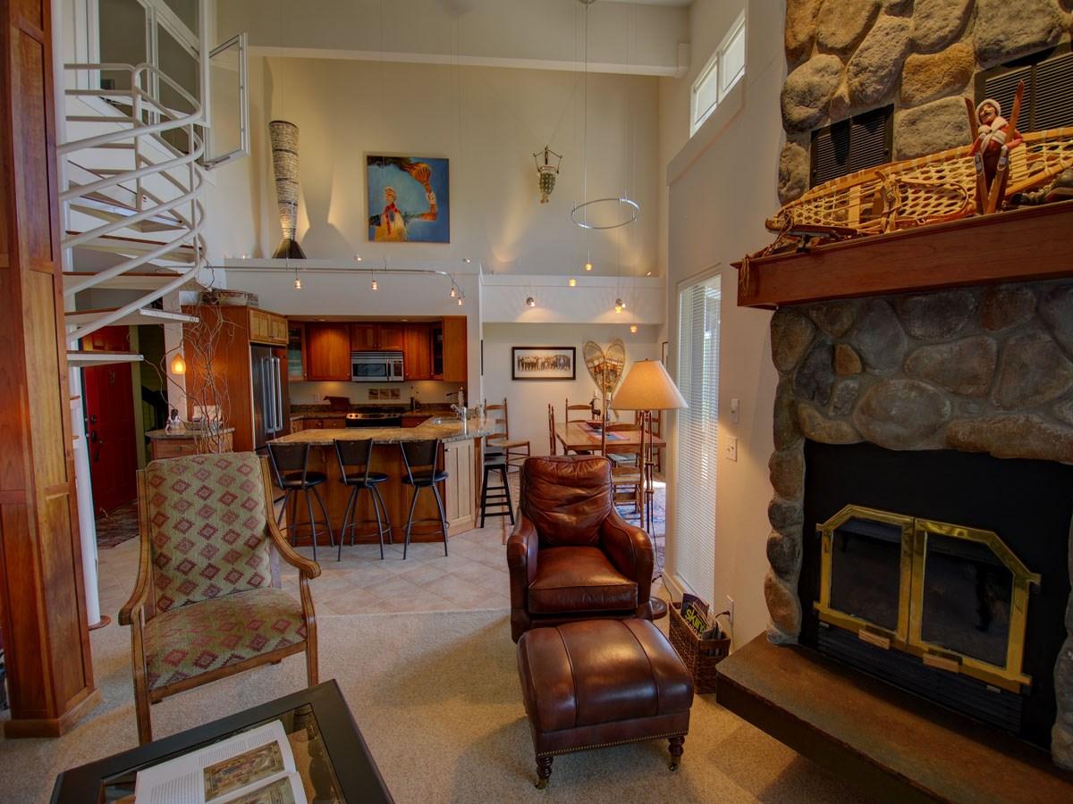 Copropriété pour l Vente à Highland Village at Schweitzer Mountain 185 Crystal Springs Sandpoint, Idaho 83464 États-Unis