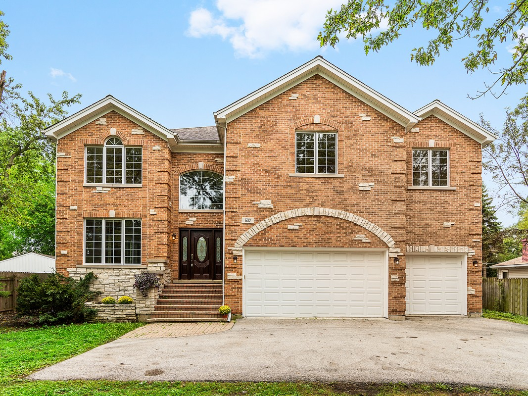 Tek Ailelik Ev için Satış at 632 W 55th St Hinsdale, Illinois, 60521 Amerika Birleşik Devletleri