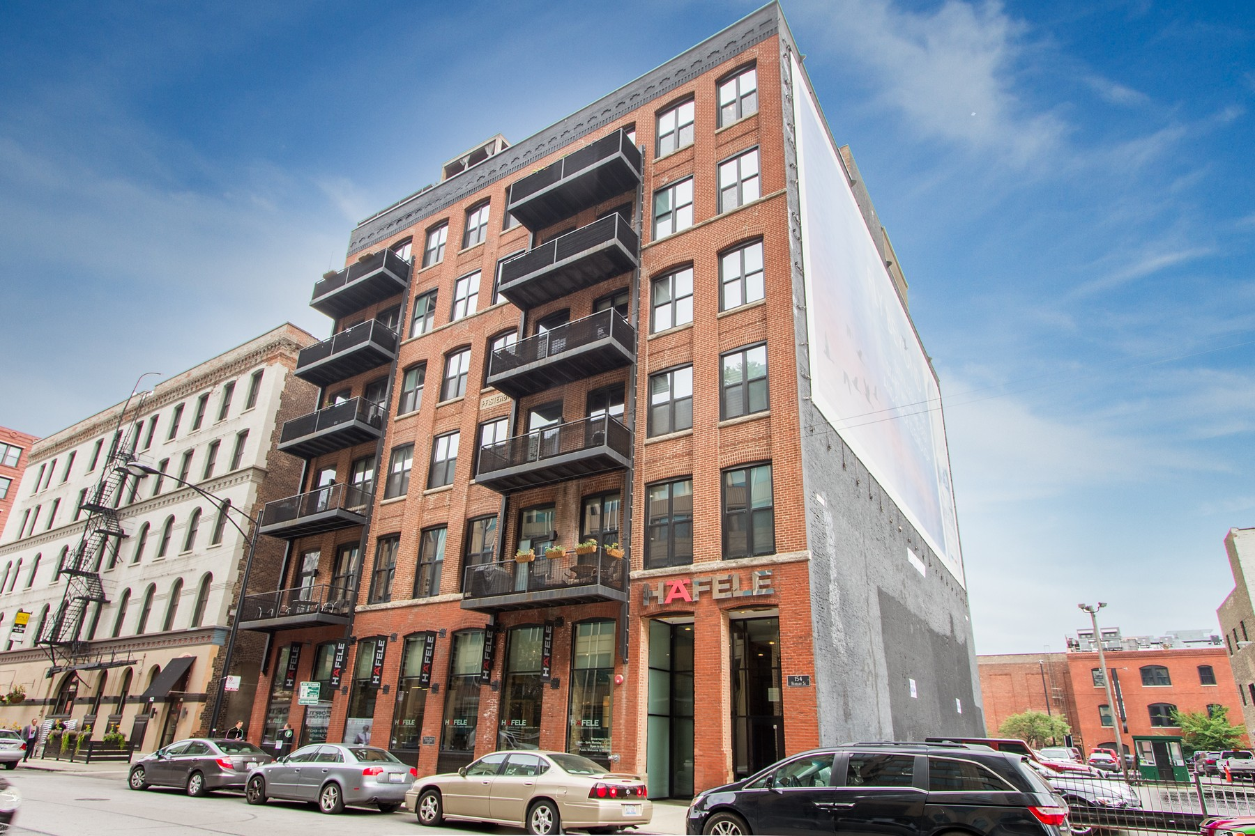 Copropriété pour l Vente à One Of A Kind River North Loft Penthouse With Private Roof Deck 154 W Hubbard Street Unit 601 Near North Side, Chicago, Illinois 60654 États-Unis