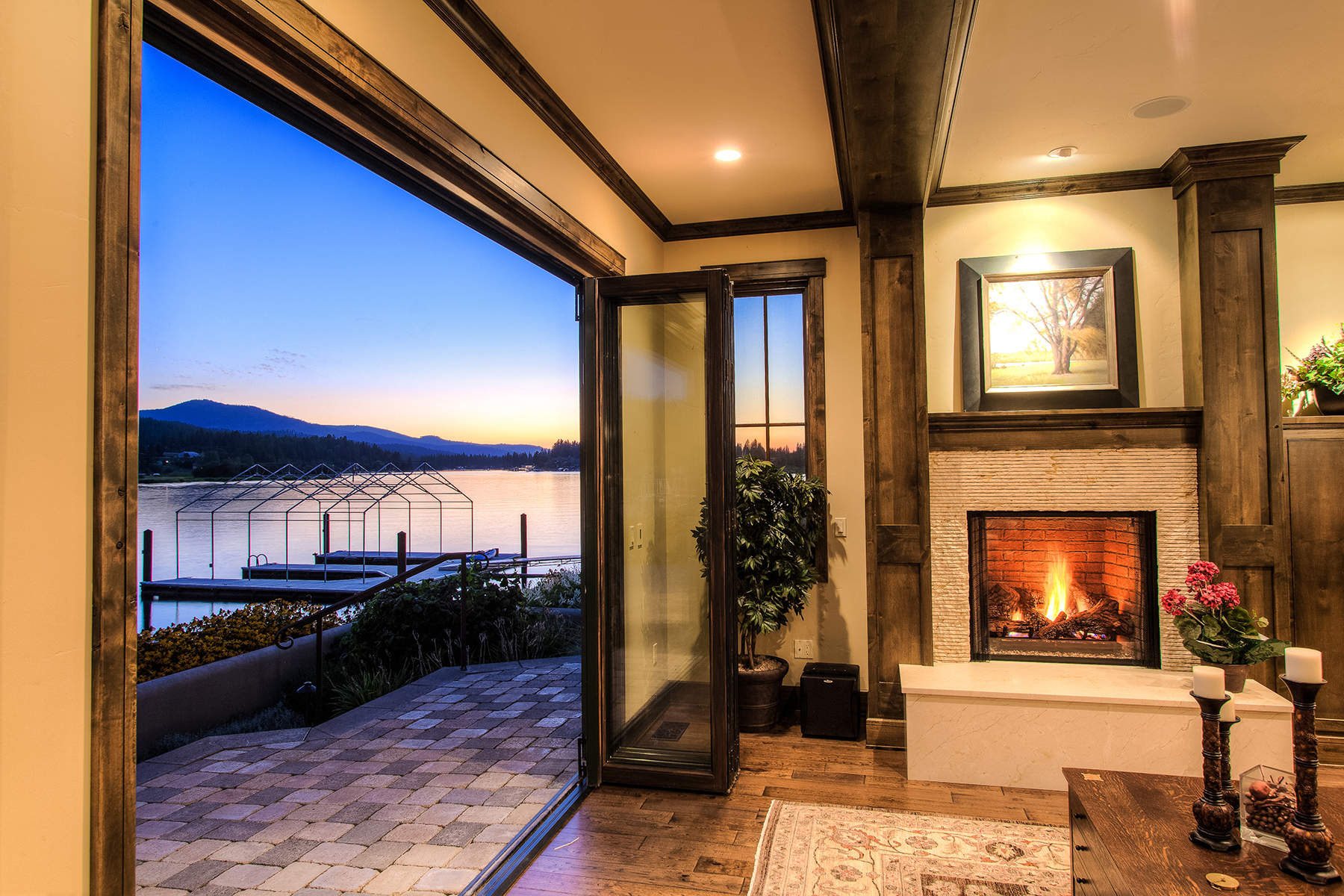 其他住宅 為 出售 在 Luxurious Riverfront Home 3852 W Shoreview Ln Coeur D Alene, 愛達荷州 83814 美國