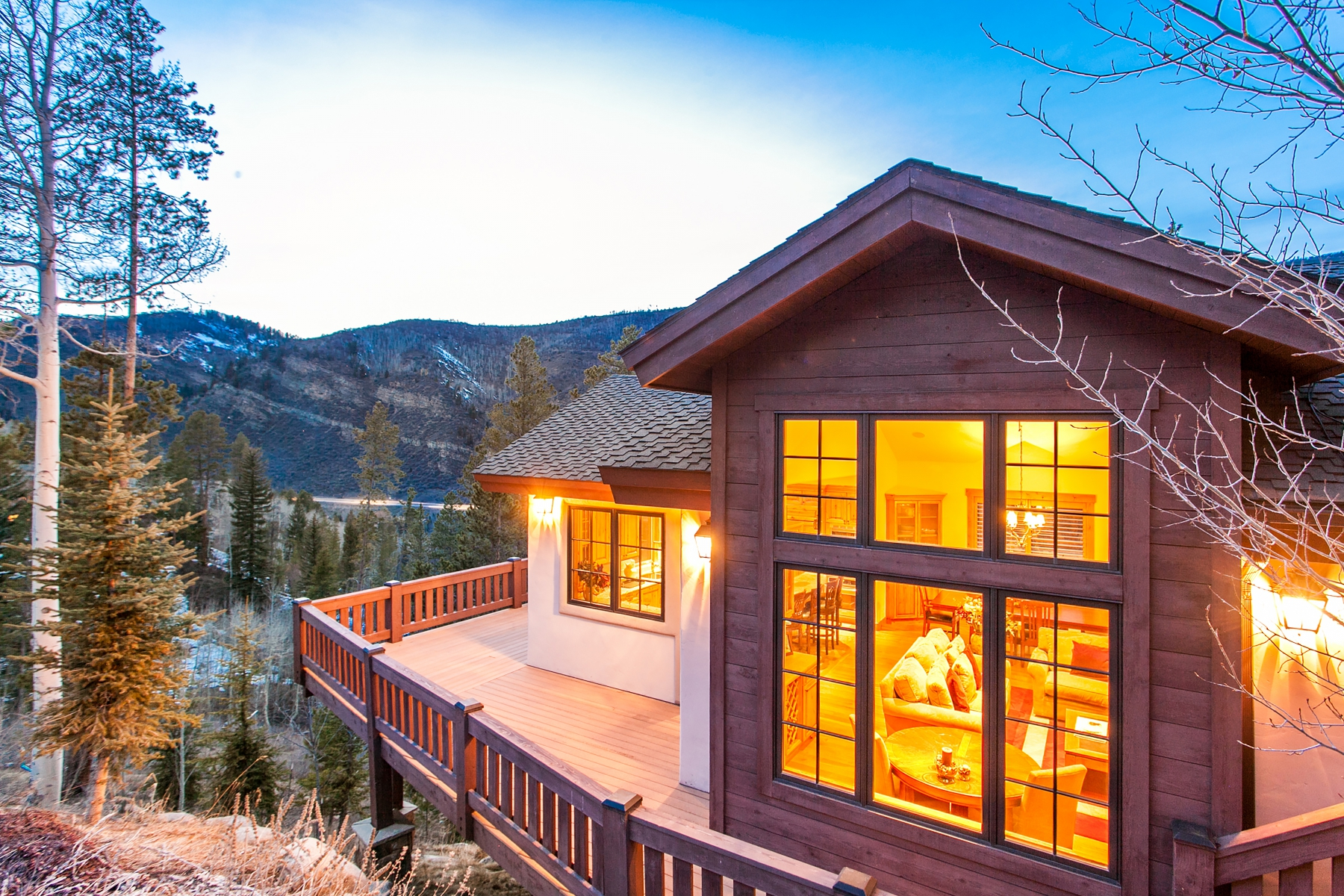 Duplex por un Venta en Vail Mountain Retreat 2735 Snowberry Dr #A Vail, Colorado 81657 Estados Unidos