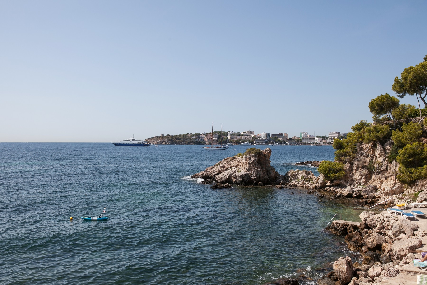 Single Family Home for Sale at Seafront property with 3 sea accesses in Calviá Calvia, Mallorca, 07181 Spain