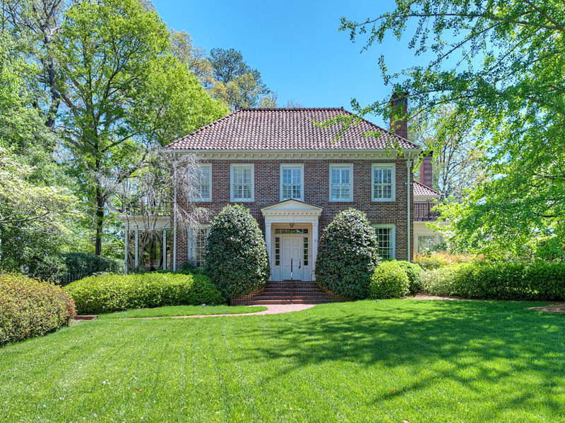 단독 가정 주택 용 매매 에 Classic Georgian in Druid Hills 1105 Lullwater Road NE Druid Hills, Atlanta, 조지아 30307 미국